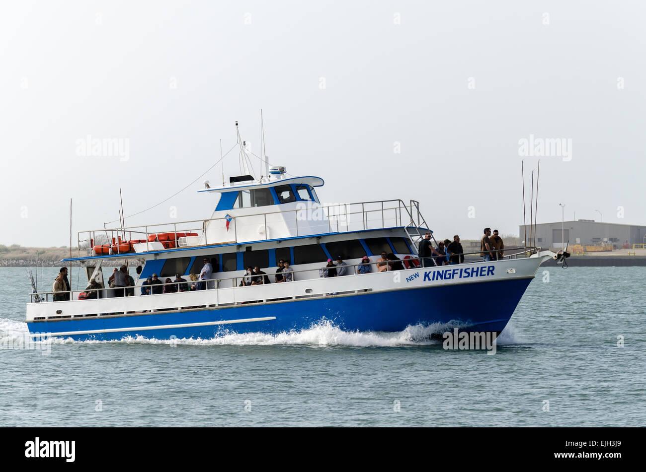 Party fishing boat kingfisher returning to dock at deepsea for Port aransas deep sea fishing