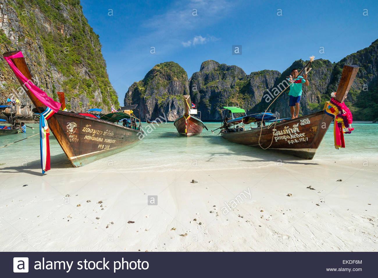 maya-bay-koh-phi-phi-ley-island-thailand