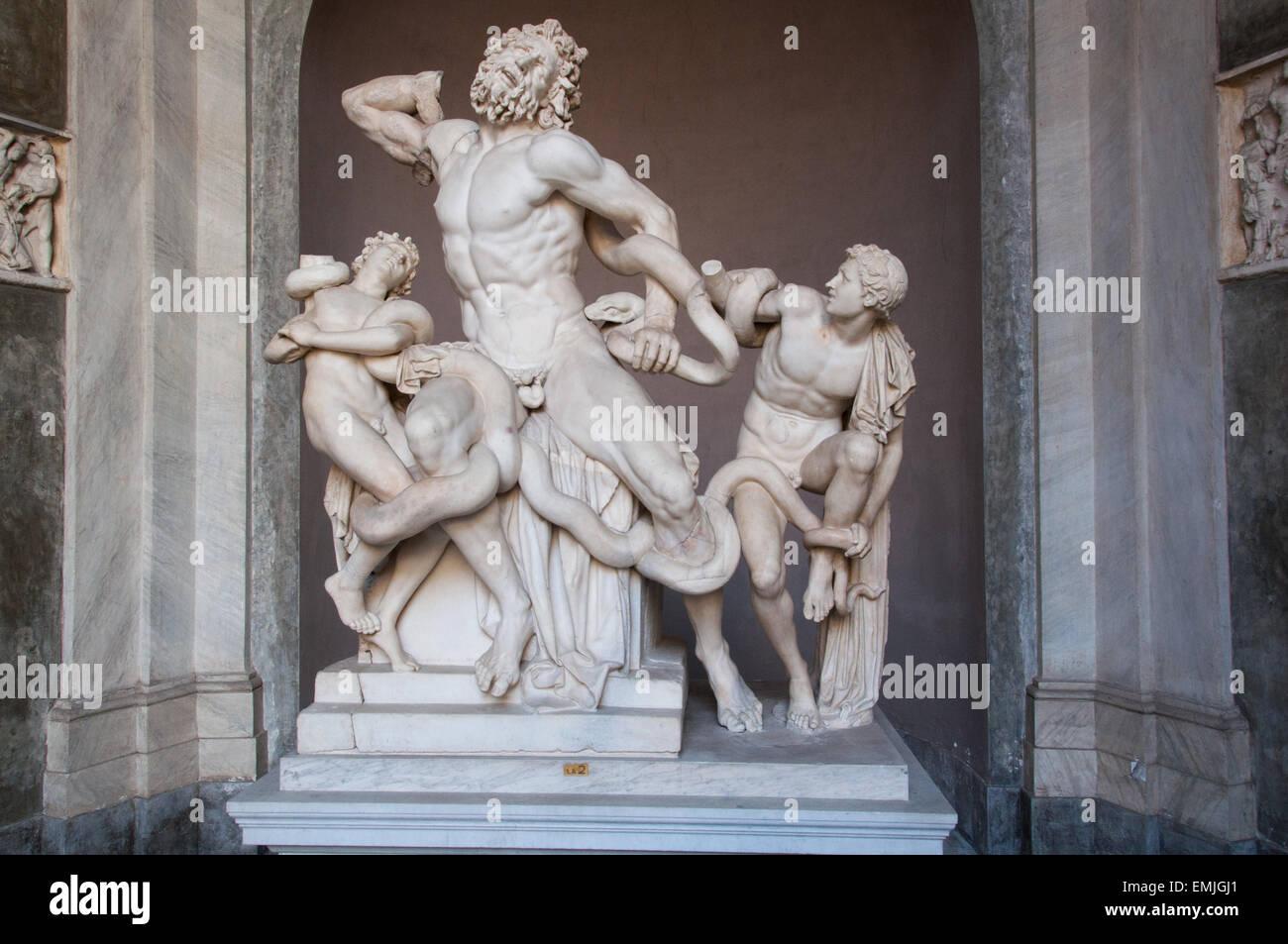 statue-of-the-greek-mythological-laocoonte-in-the-vatican-museums-EMJGJ1.jpg