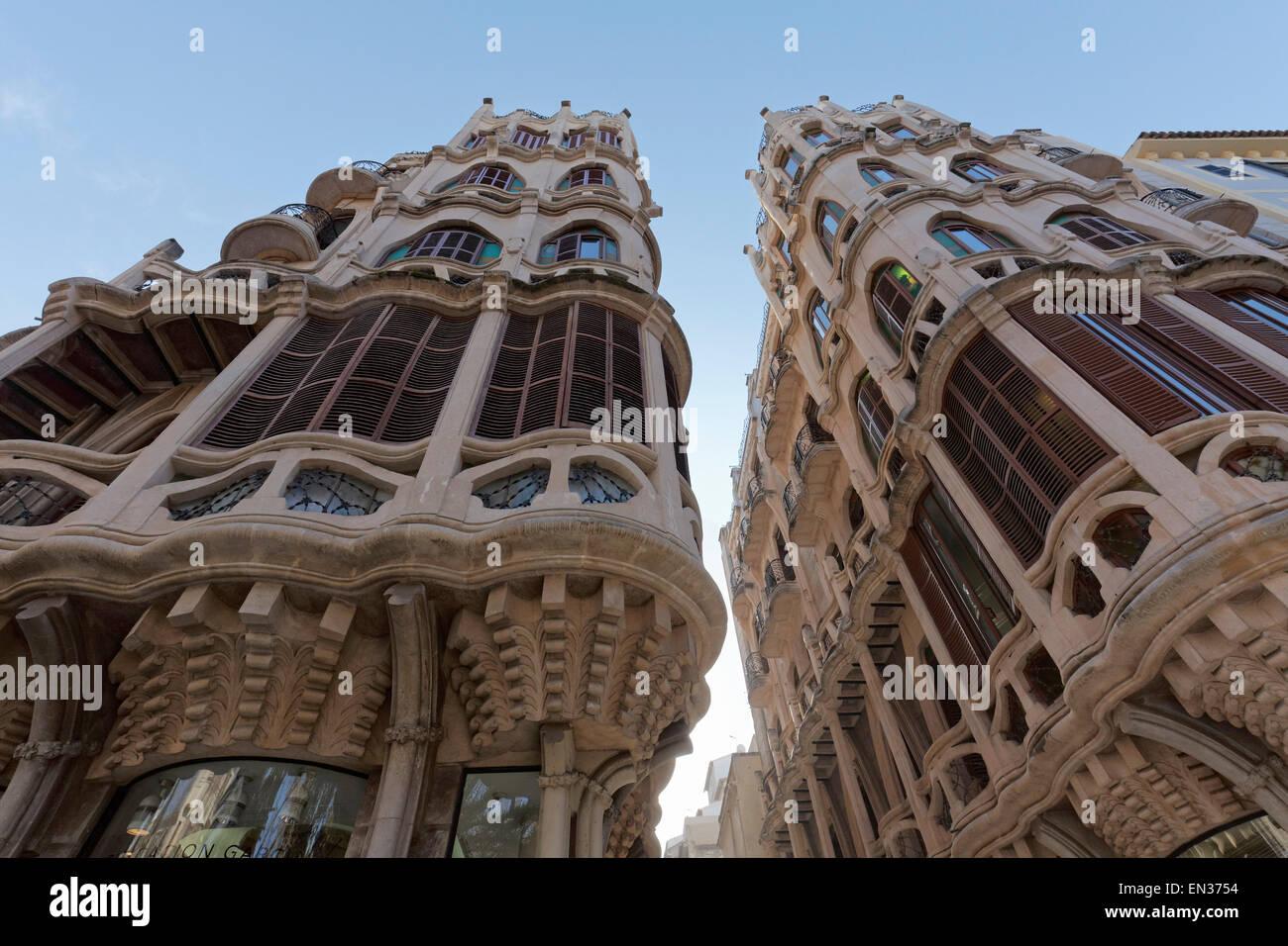 Edifici casayas catalan art nouveau houses modernism for Artiste peintre catalan