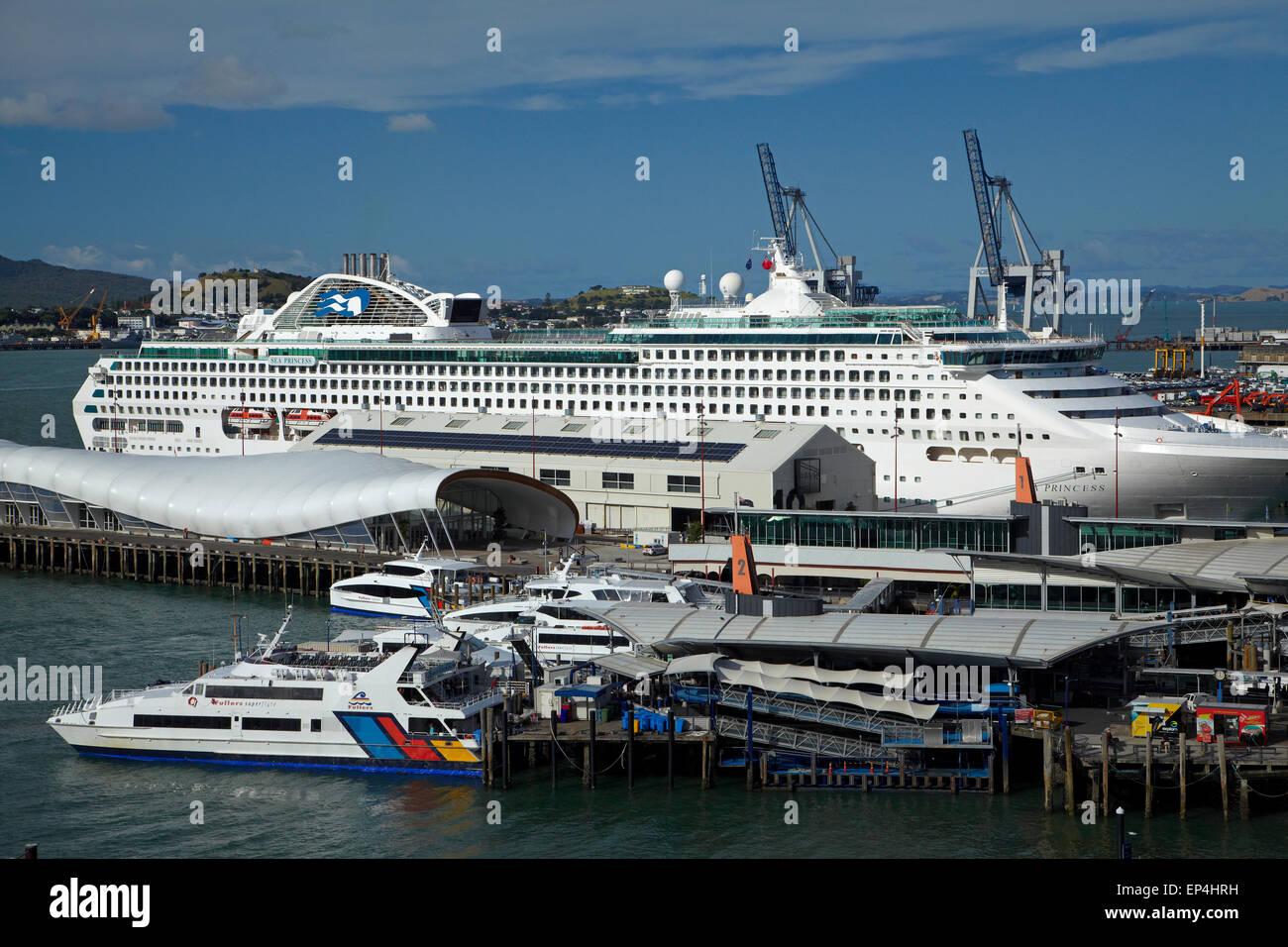 Auckland Island Tourist Ferry