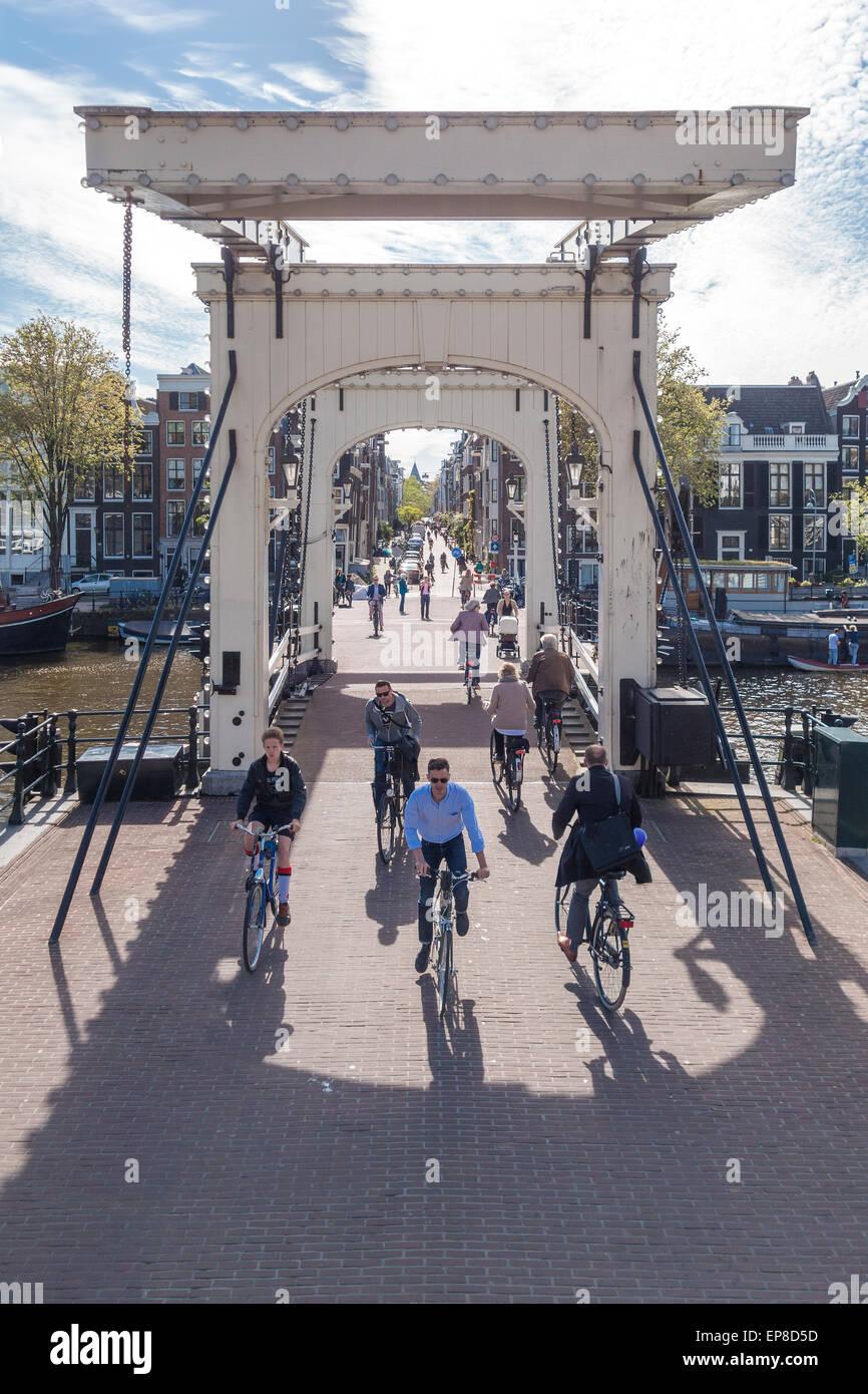 amsterdam-magere-brug-or-skinny-bridge-a