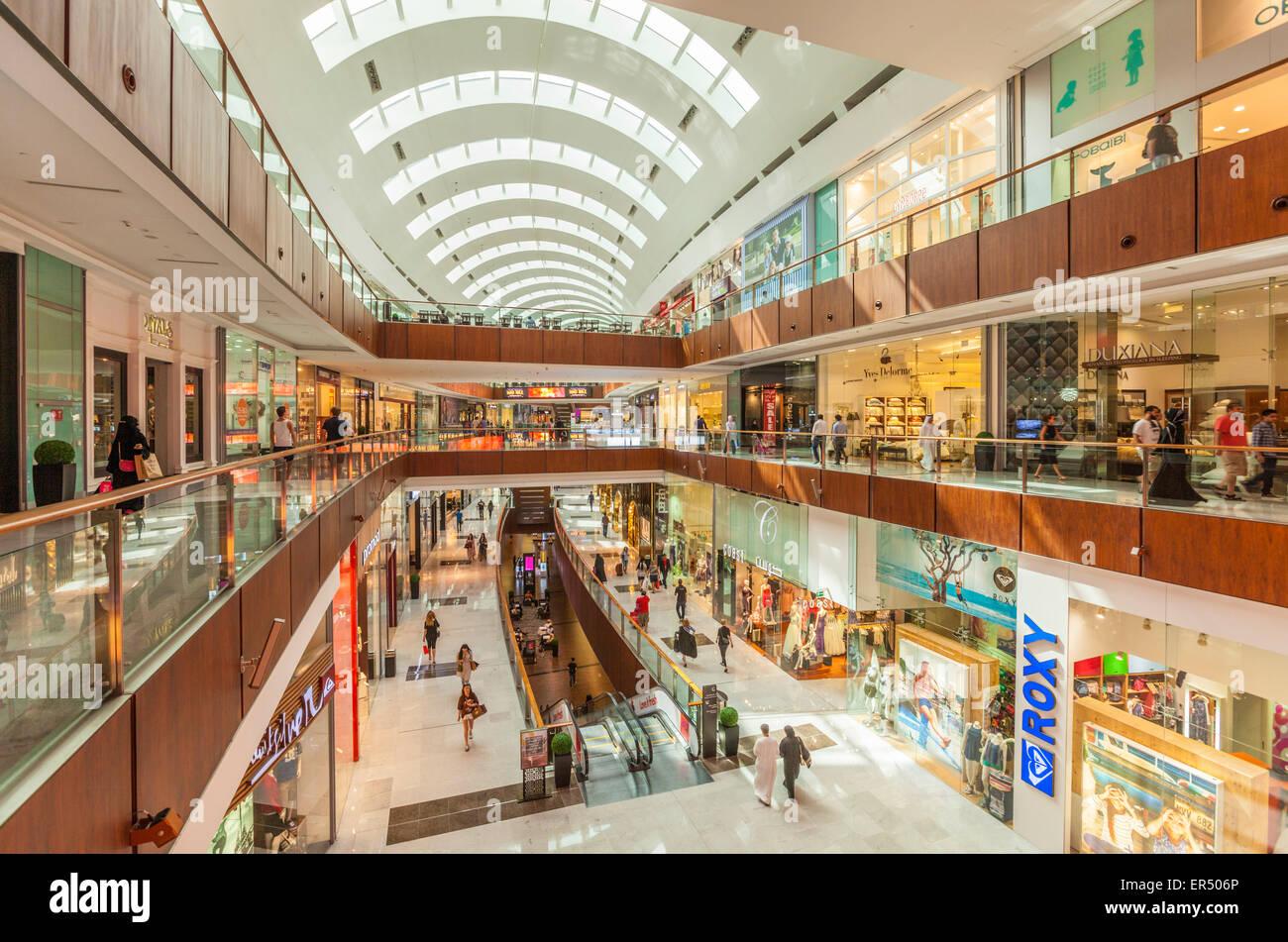 Dubai mall interior dubai city united arab emirates uae for Dubai decoration interieur
