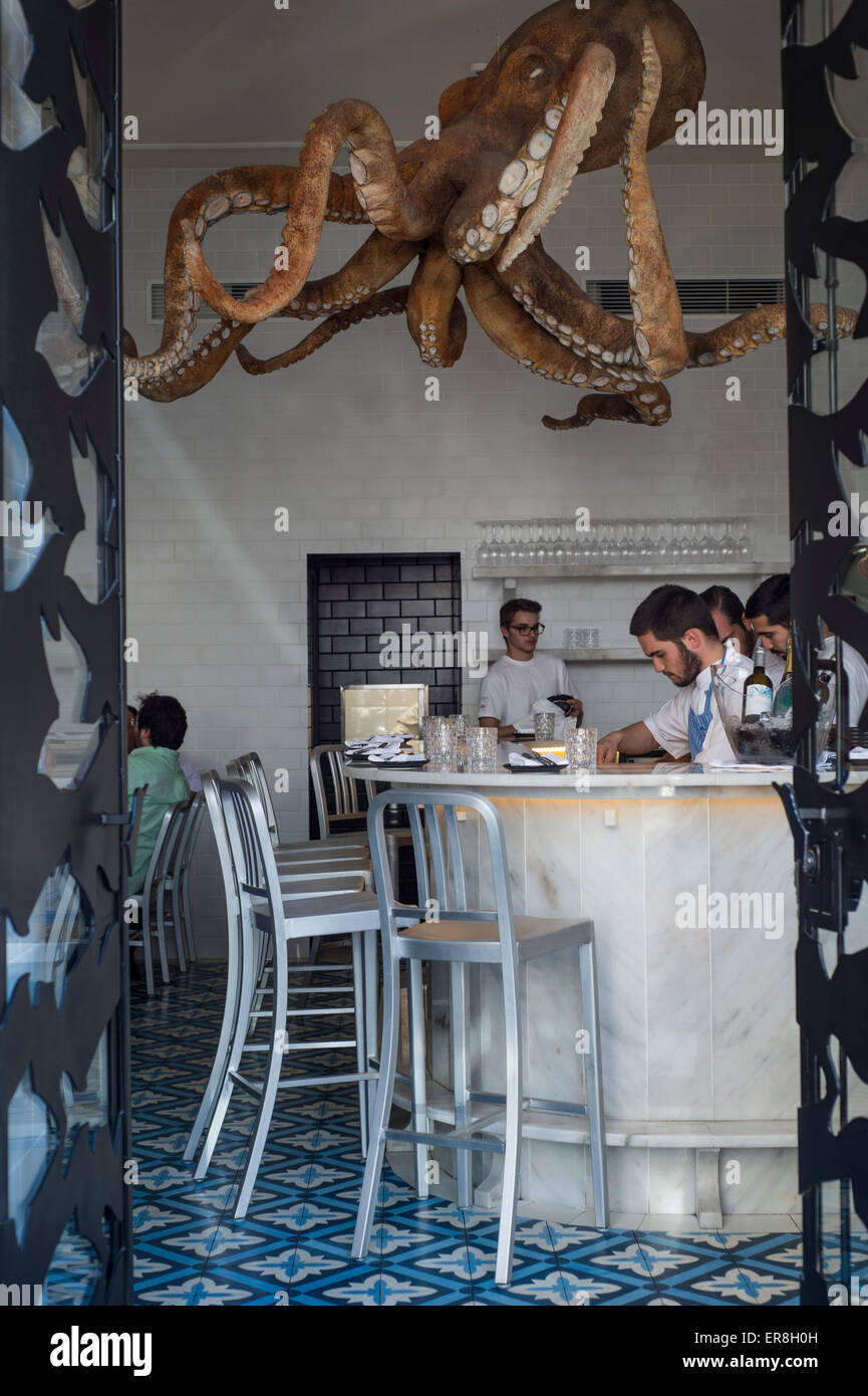 a-cevicheria-resturant-in-lisbon-with-a-