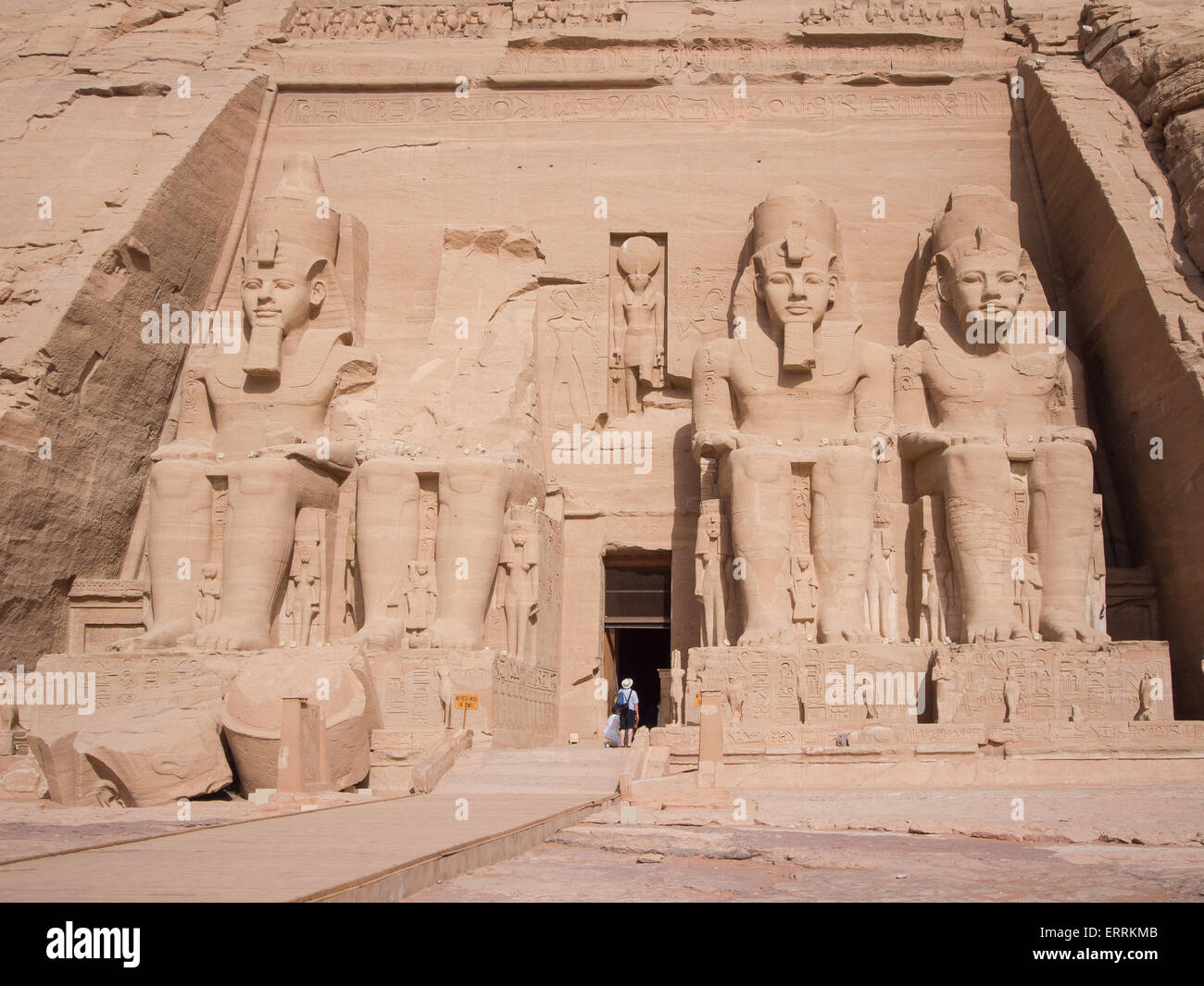 temple-of-ramesses-beloved-by-amun-at-abu-simbel-nubia-egypt-ERRKMB.jpg