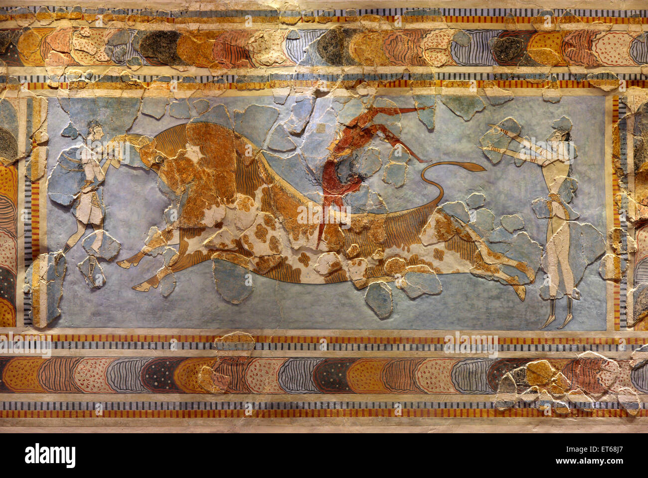 palace at knossos grete and bull leaping Minoan bull leaping fresco ( 1600  / bull leaping fresco from the palace of knossos,  heilbrunn timeline of art history @ metropolitan museum of art.