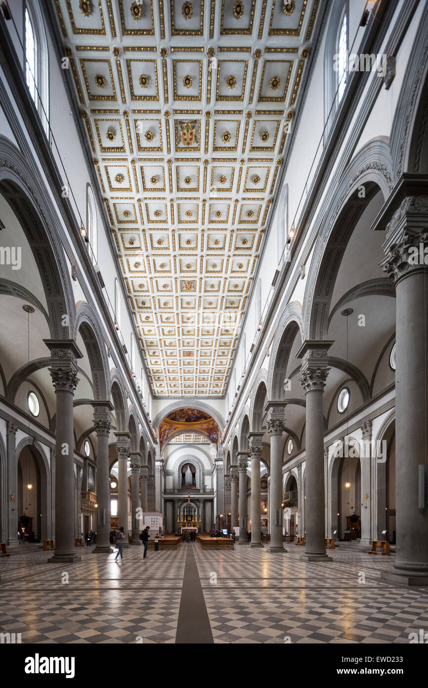 Nave basilica di san lorenzo basilica of st lawrence for Interior iglesia san lorenzo brunelleschi