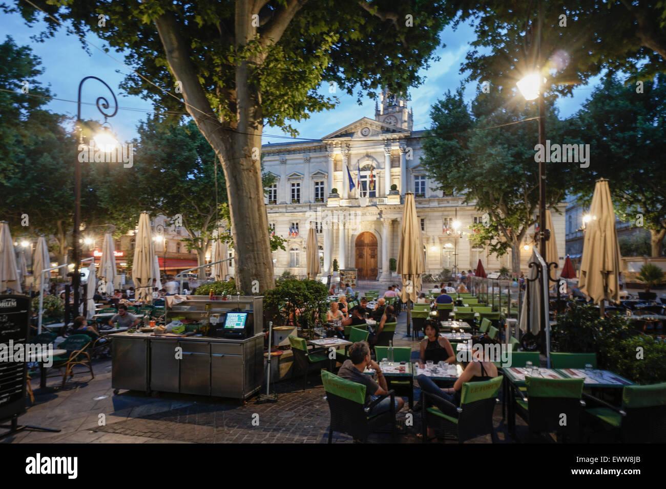 Hotel de Ville, Street Cafes, Place de la Horloge,  Avignon, Bouche du Rhone, France Stock Photo