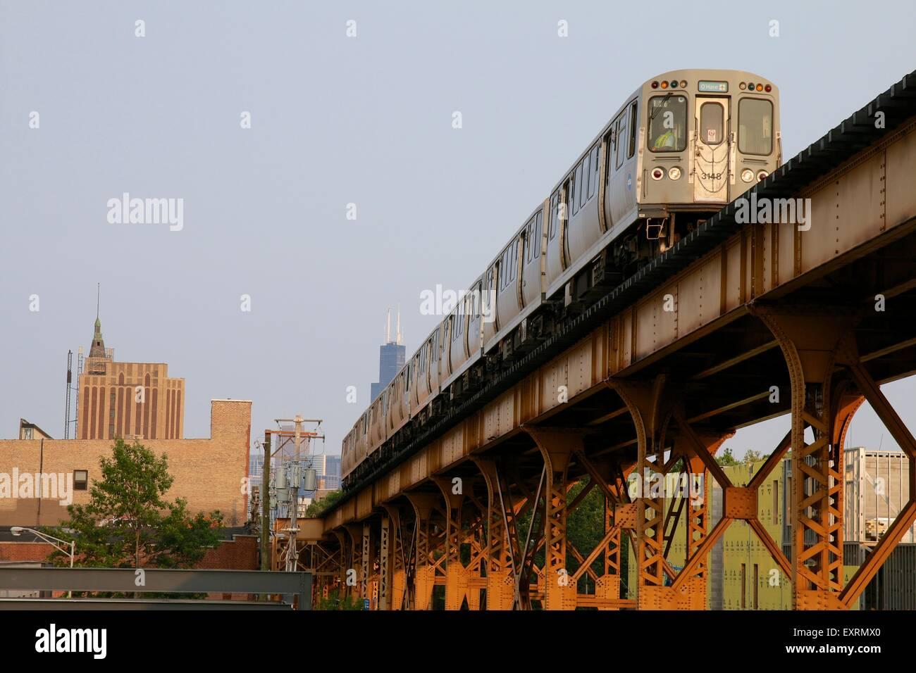 cta-blue-line-elevated-rapid-transit-tra