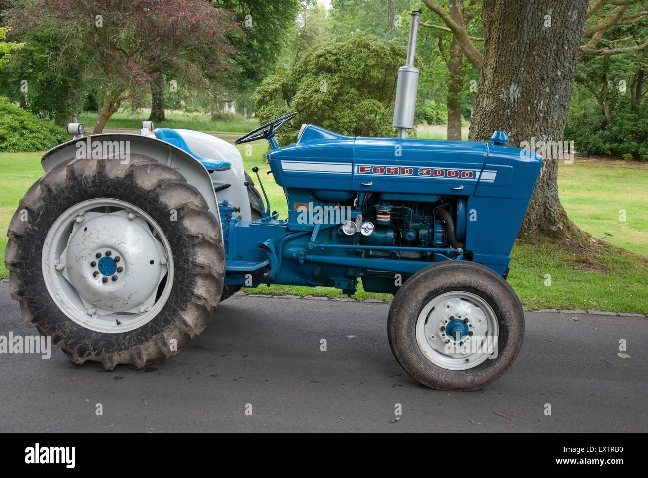 69 Ford 3000 Tractor : Blue white ford series farm tractor stock