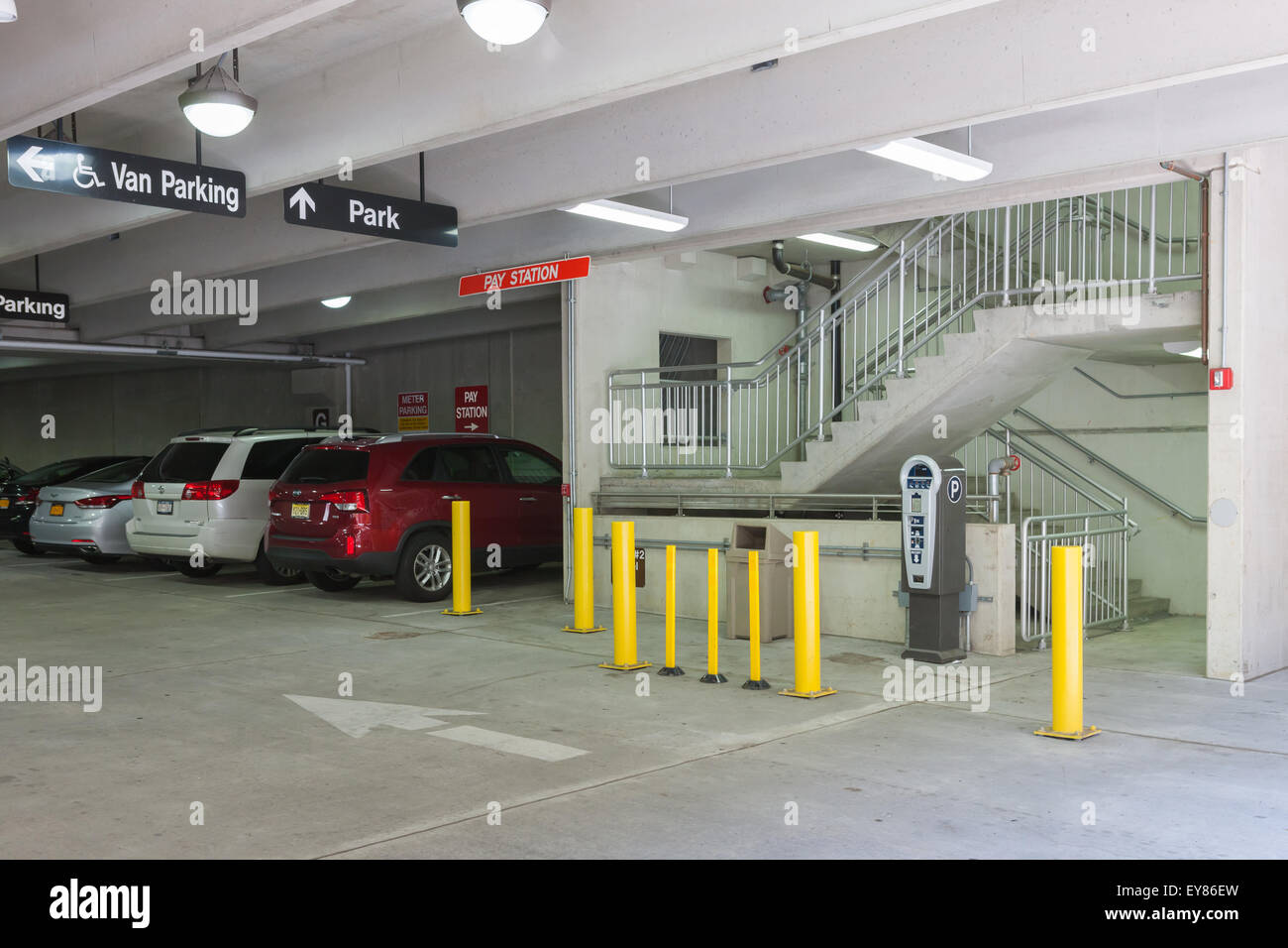 An entrance to the lyon place municipal parking garage in for Garage auto lyon 7
