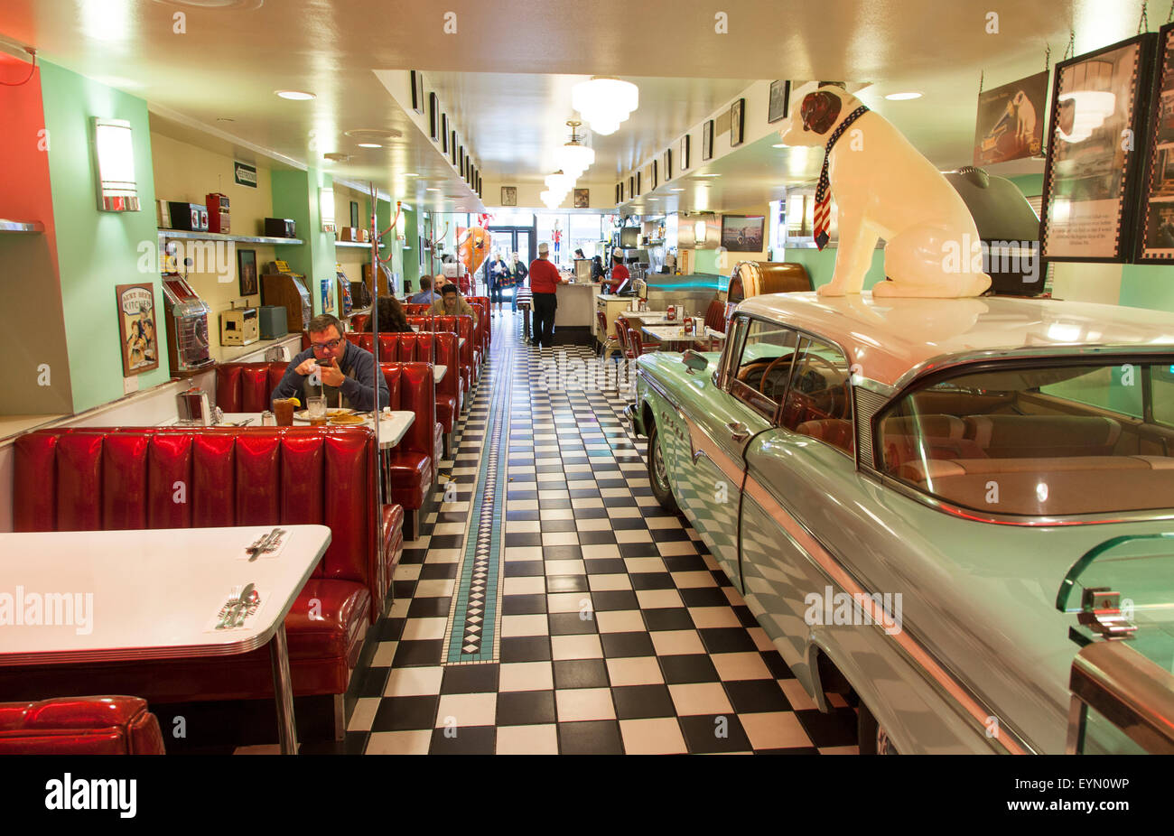 Inside lori 39 s dinner a popular 50 39 s style restaurant in for 50s diner style kitchen
