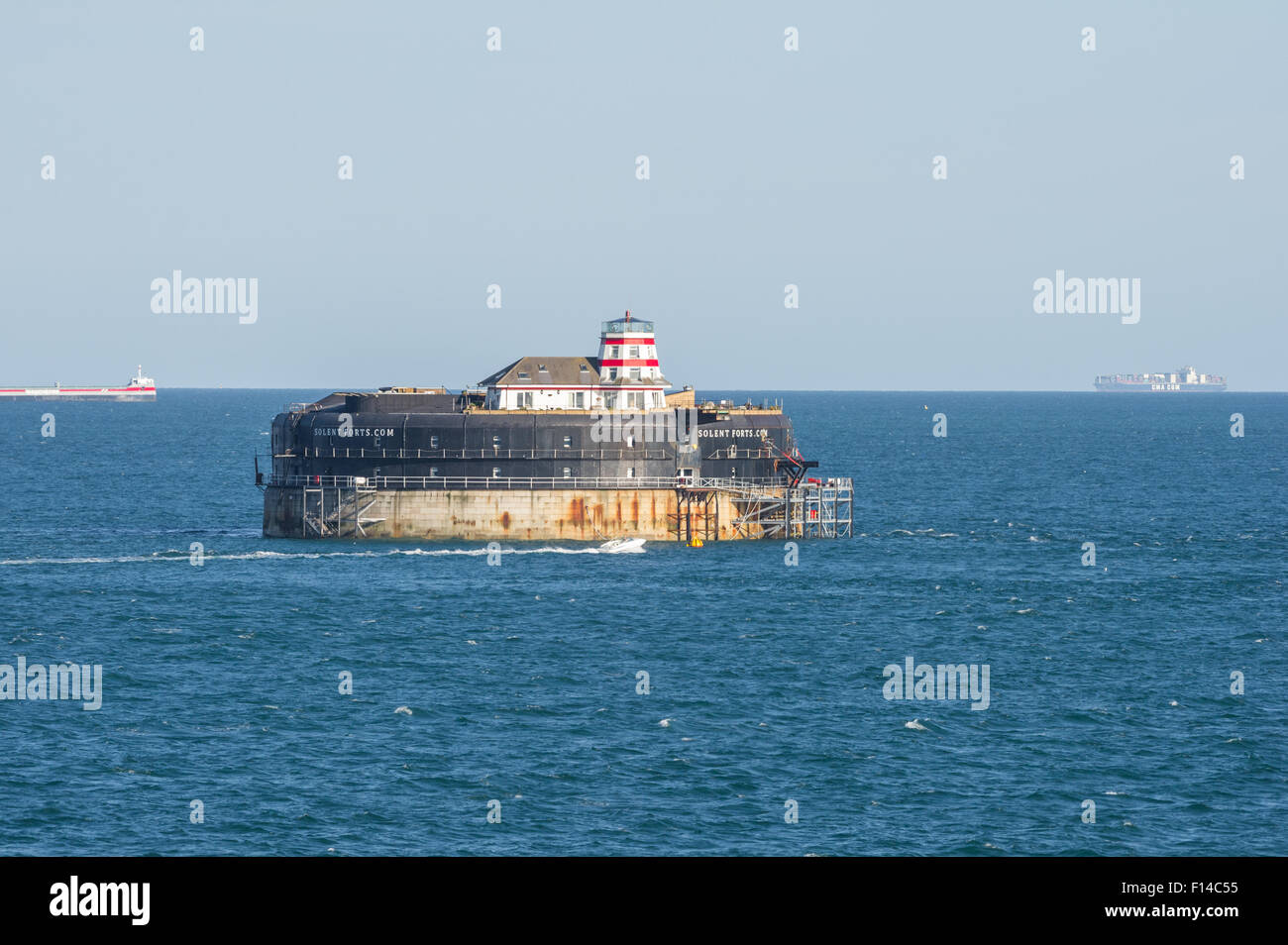 no-mans-land-fort-in-the-solent-used-for