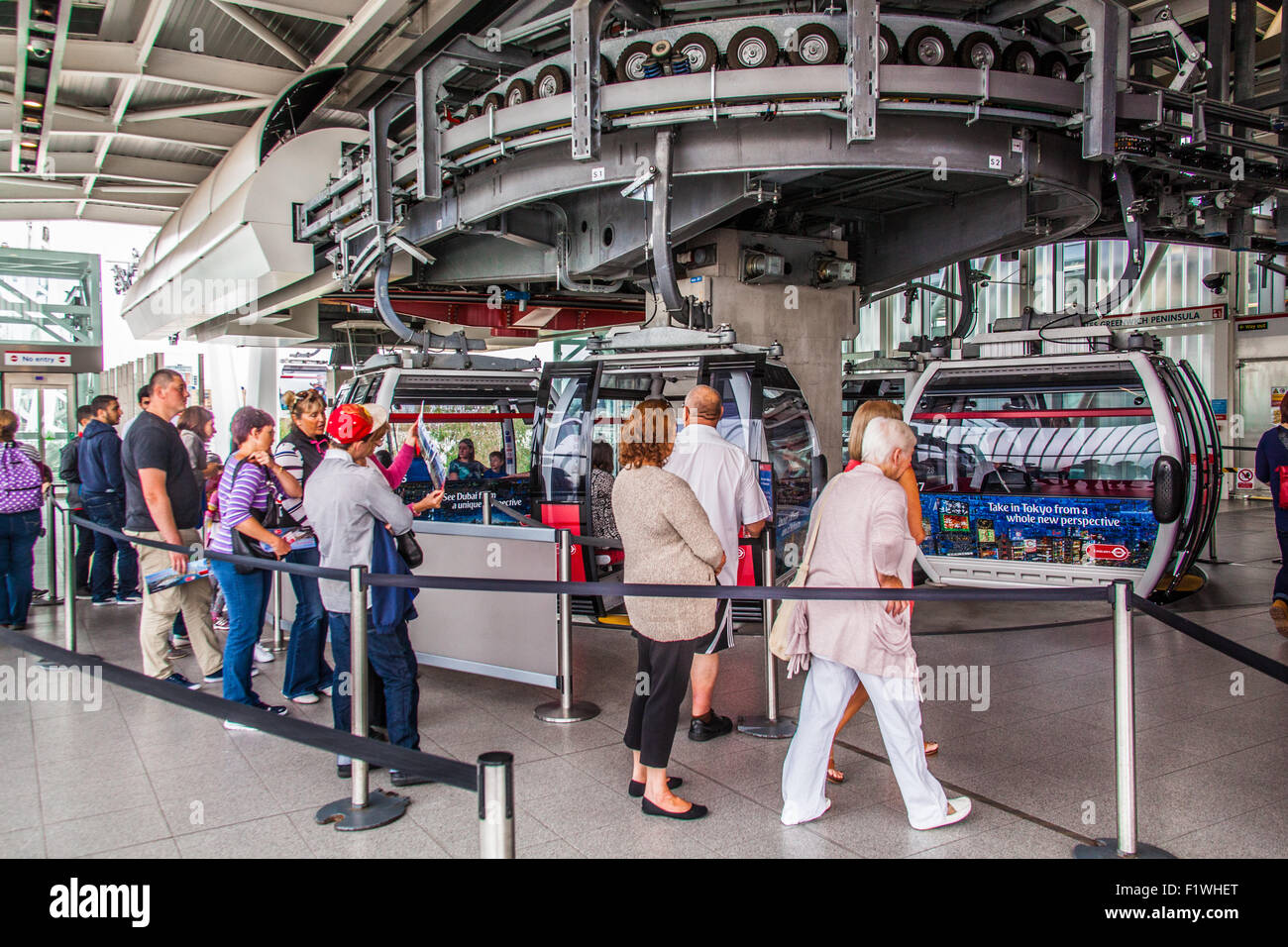 Cable Automotive Oklahoma City : Passengers boarding the emirates air line cable car