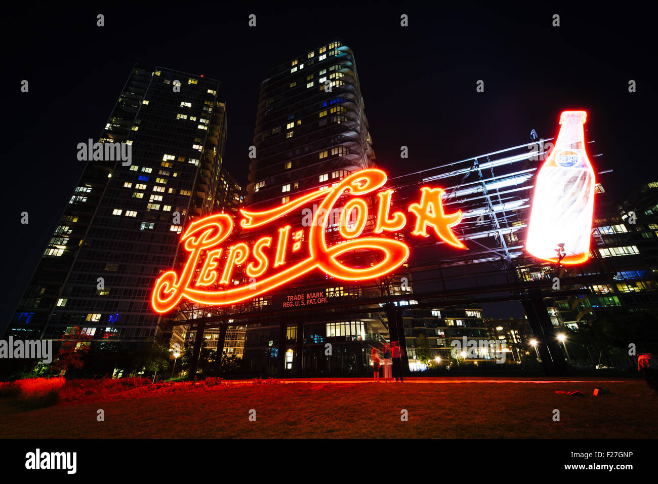 The Pepsi-Cola sign at night, in Long Island City, Queens, New York. Stock Photo