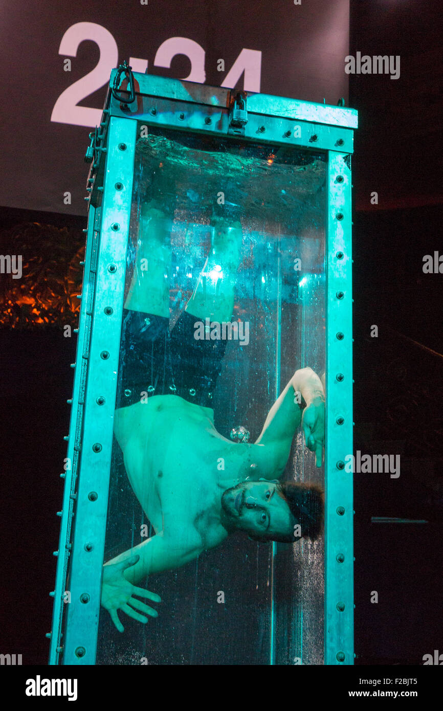 Water Tank Magic : Andrew basso performs a houdini style escape from water