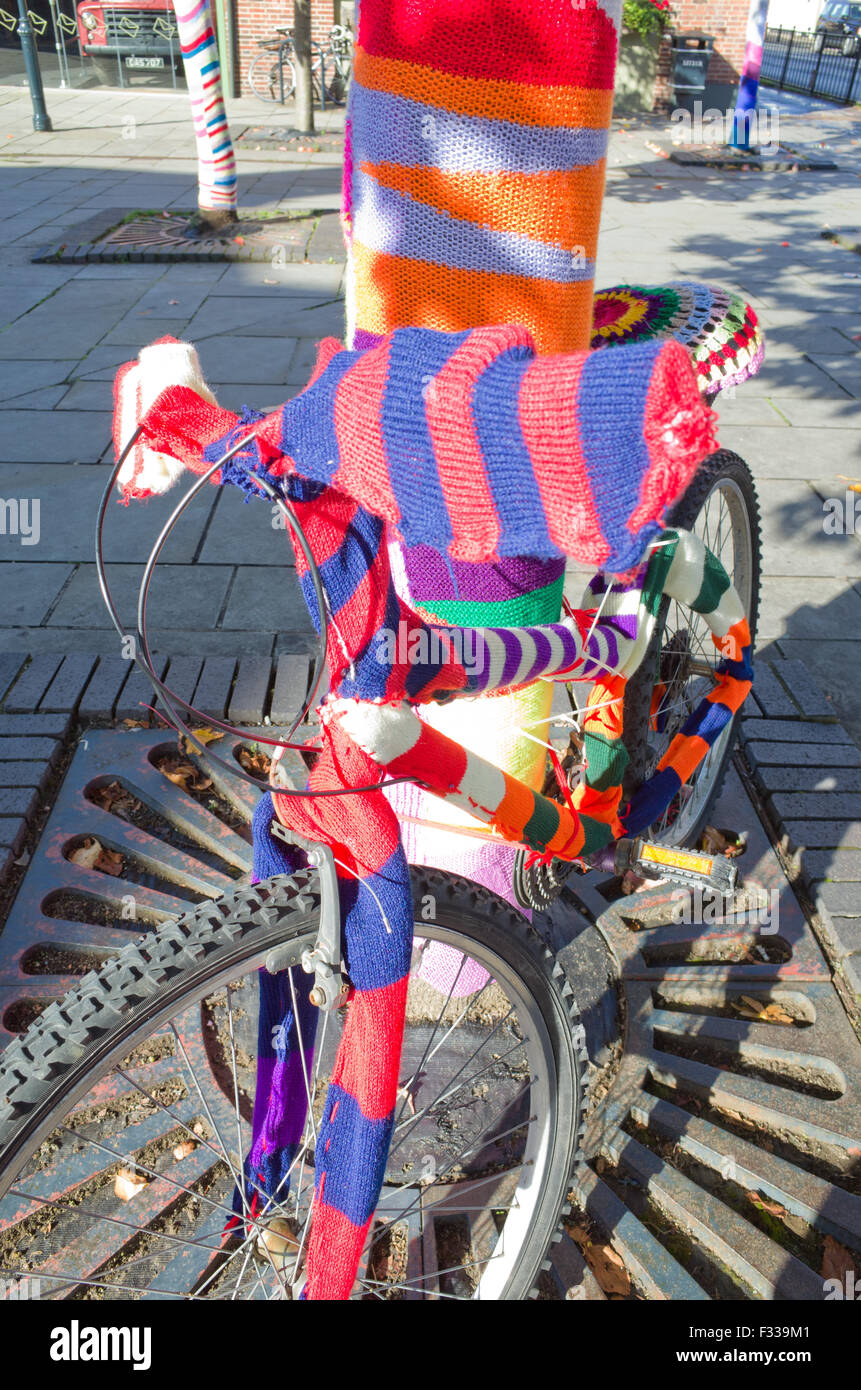 yarn-bombed-bicycle-royston-uk-F339M1.jp