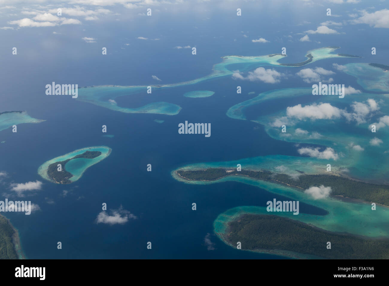 solomon-islands-aerial-view-F3A1N6.jpg