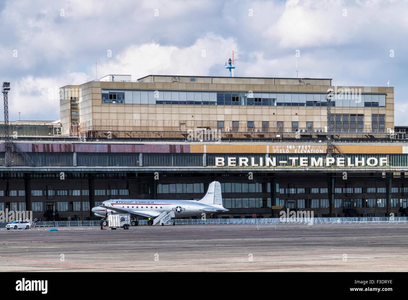 berlin tempelhof airport flughafen berlin tempelhof thf. Black Bedroom Furniture Sets. Home Design Ideas