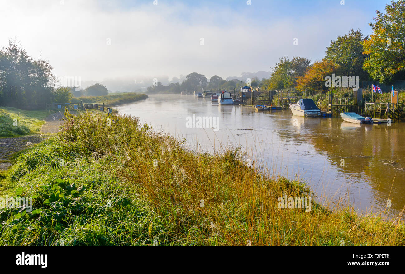 early-morning-in-autumn-at-the-river-aru