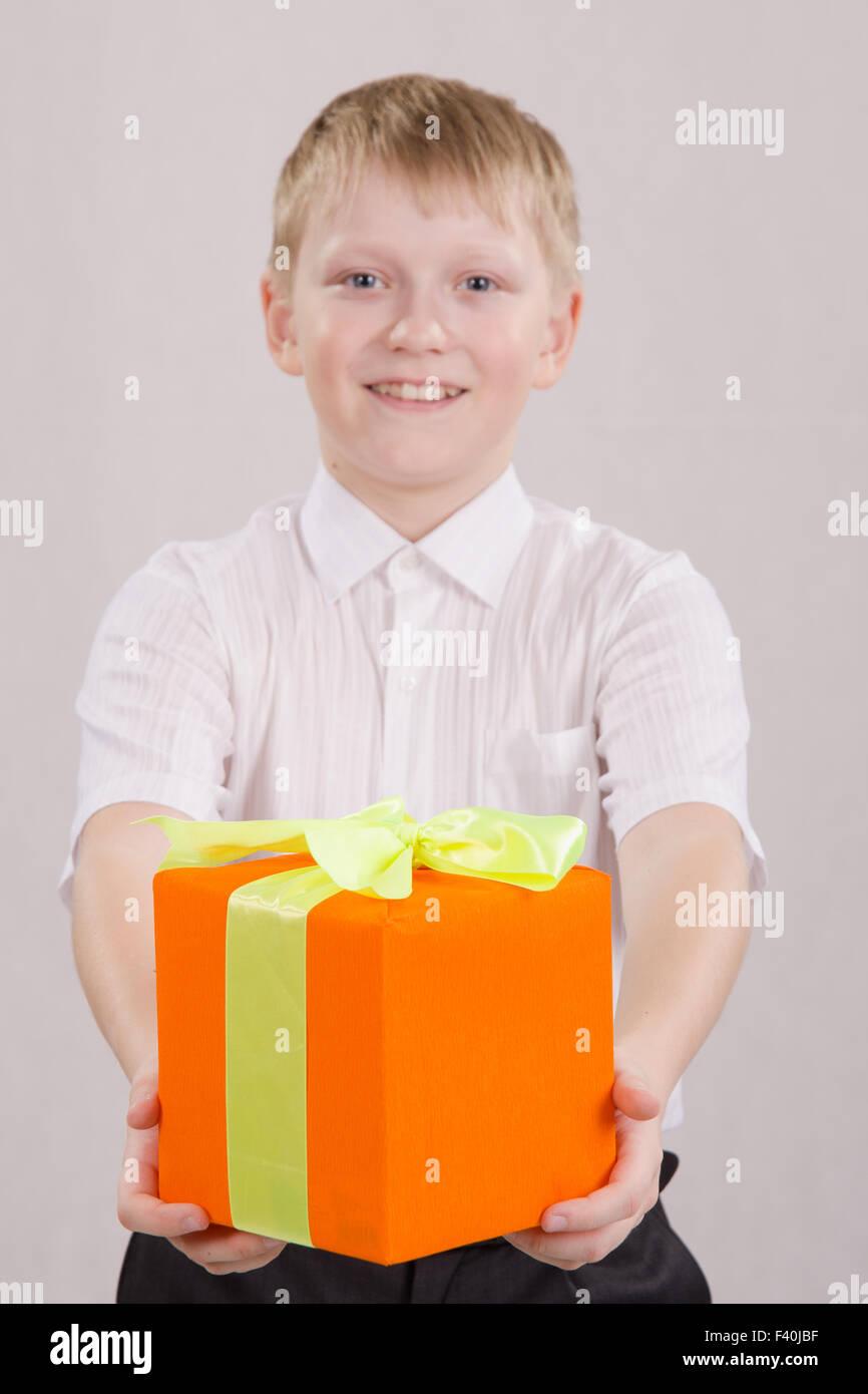 Подарок для десятилетнего мальчика