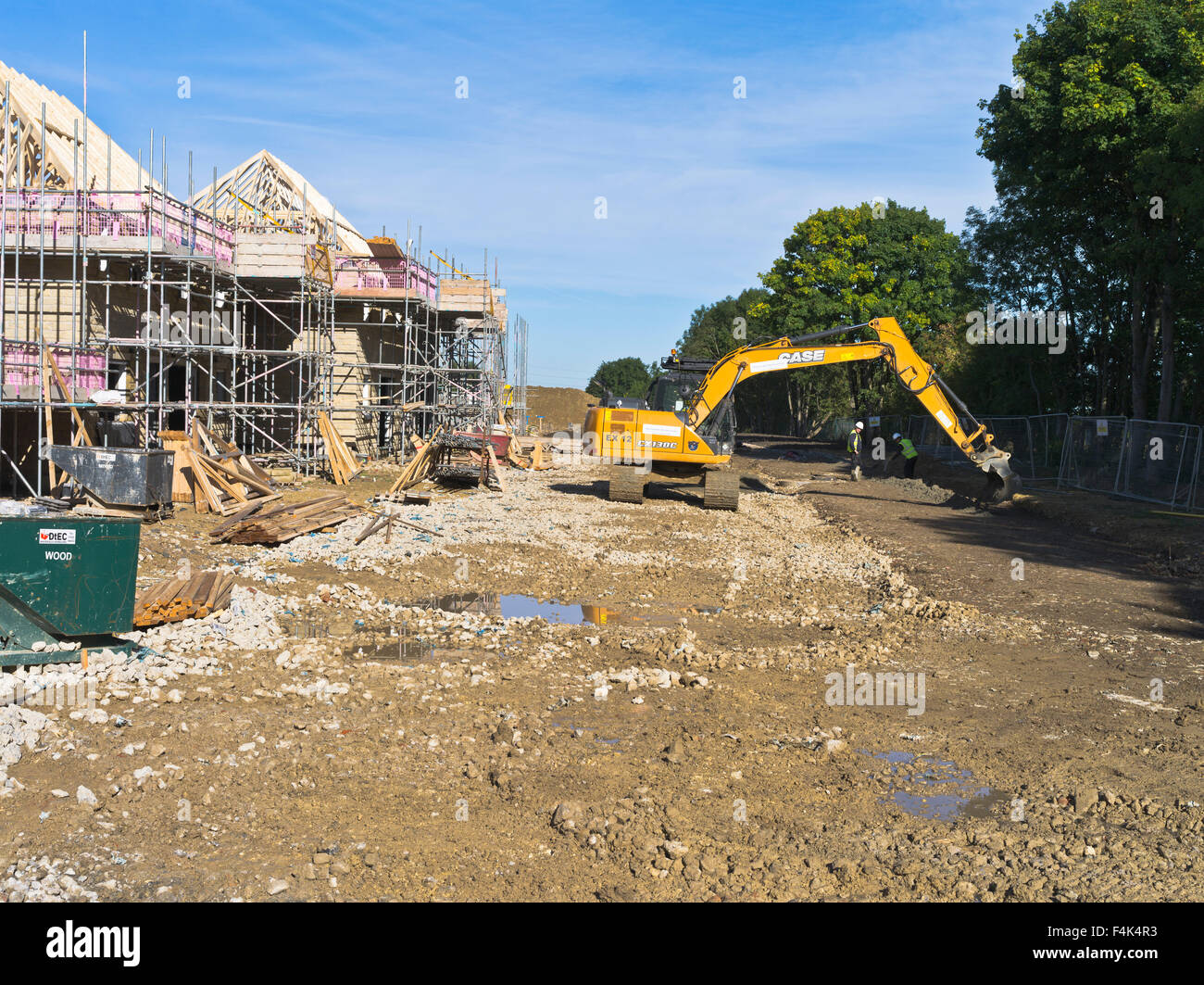 dh redrow homes uk new houses uk construction site
