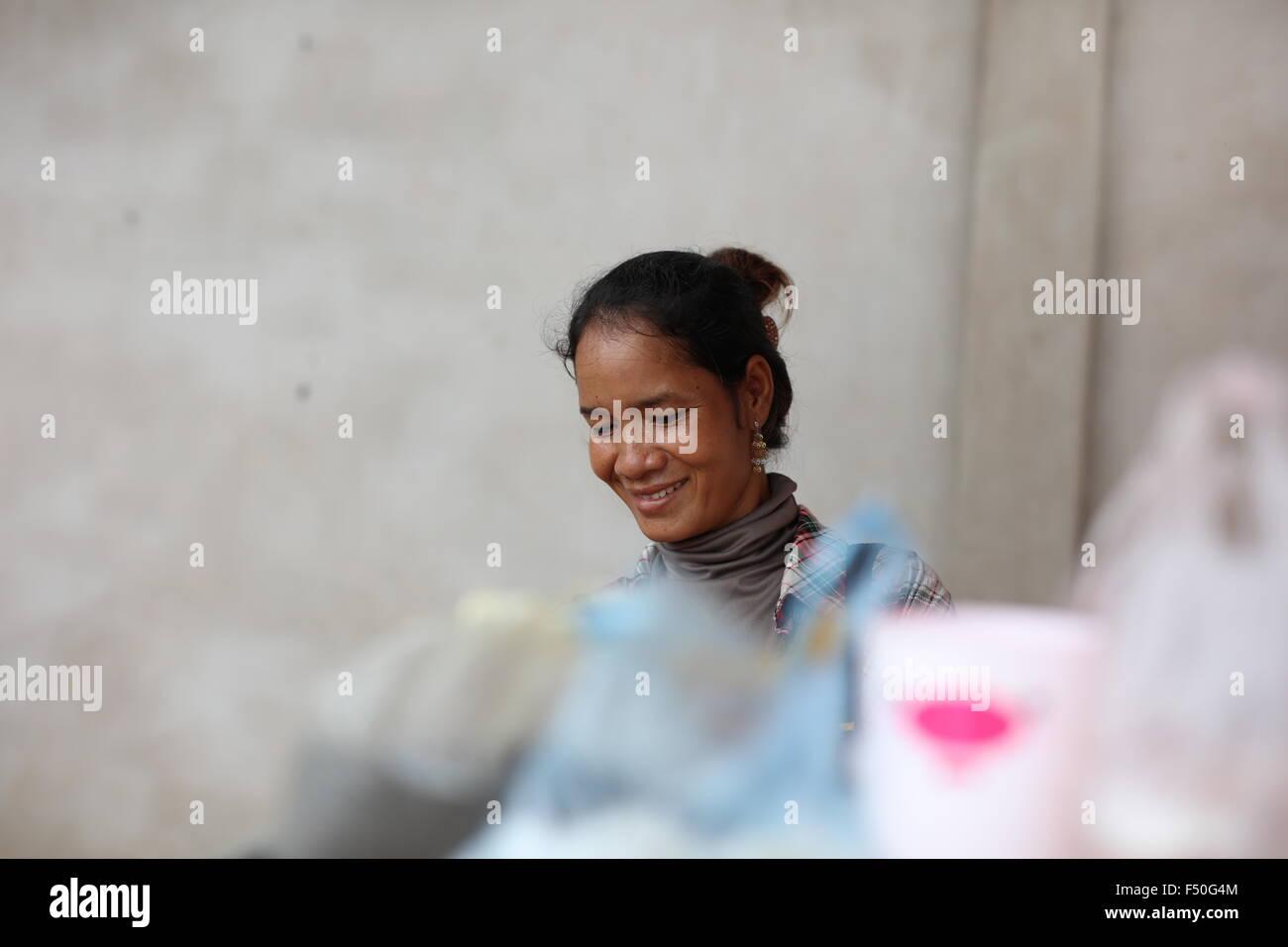 portrait-of-asian-woman-smiling-F50G4M.j
