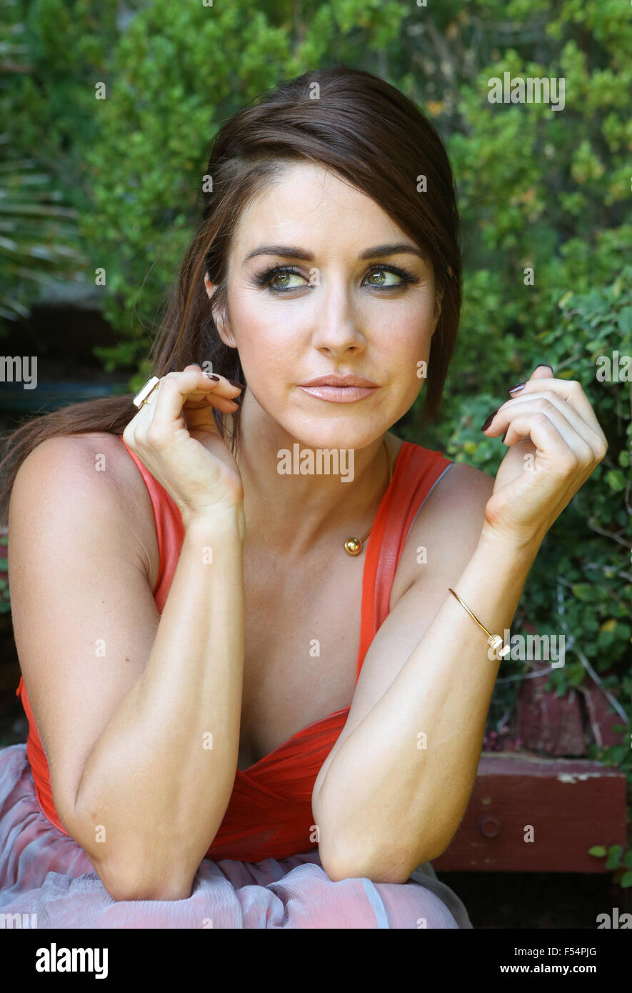 Erin Karpluk Nude Photos 45