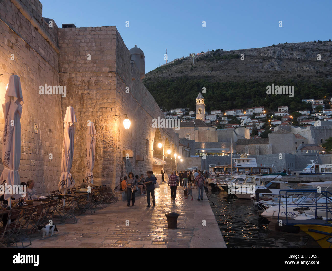 blue-hour-in-the-old-harbour-of-dubrovni
