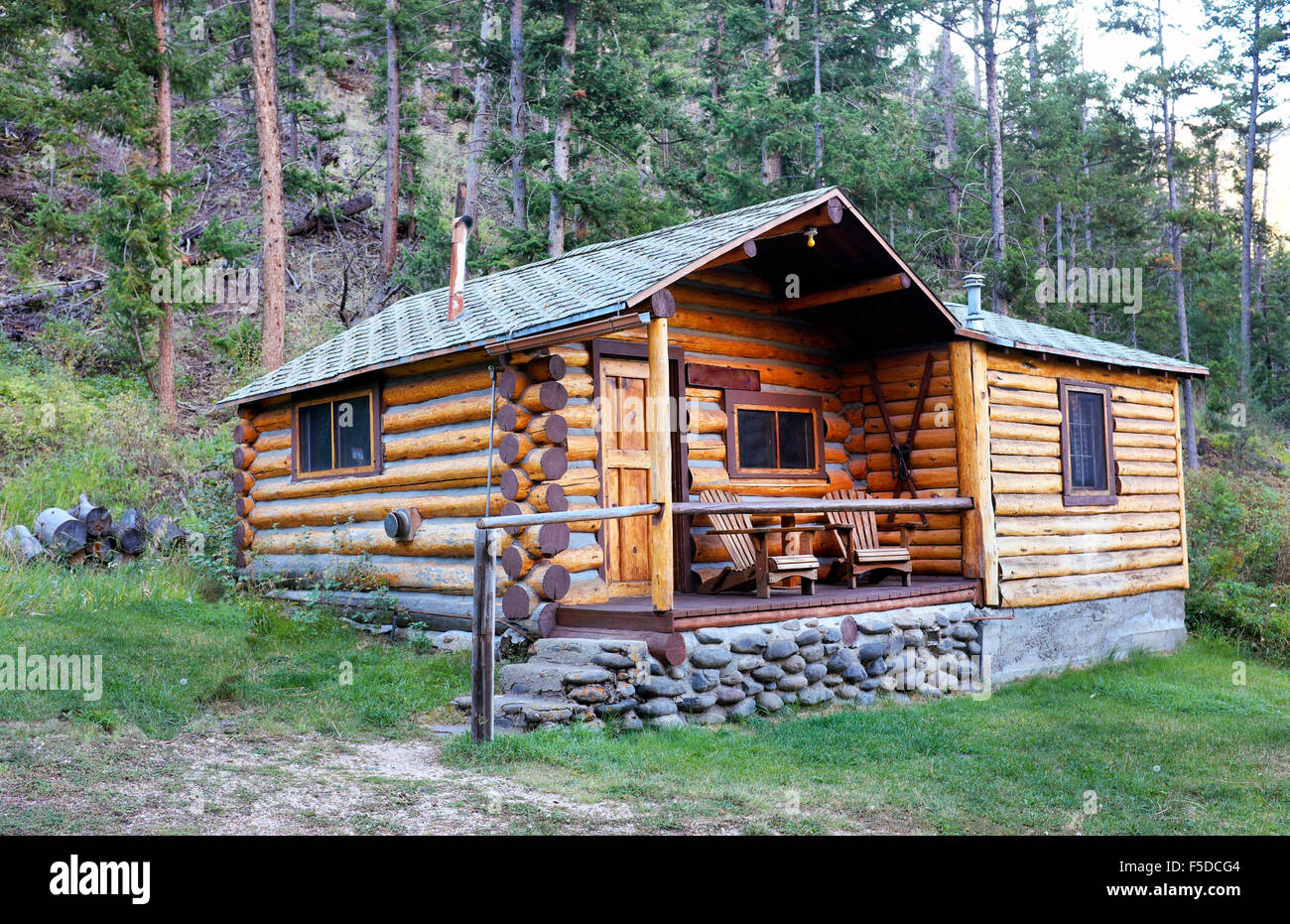 A small log cabin in a remote part of the absaroka for Log cabins in yellowstone national park