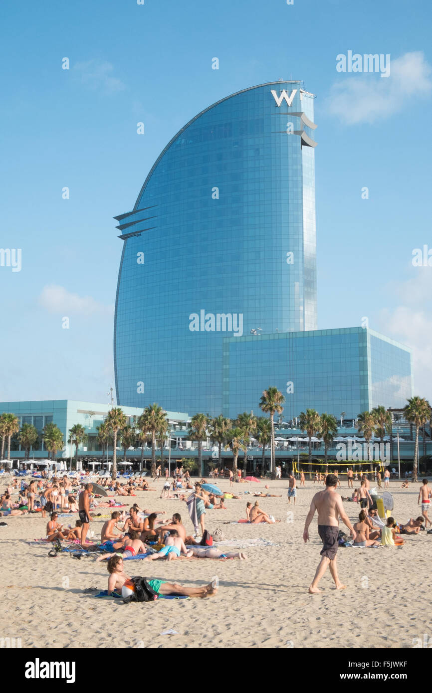 W hotel w hotel barcelona view beach eclipse bar w for Hotel w barcelona precios