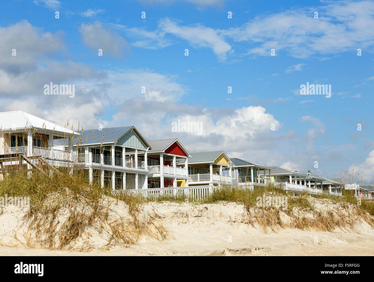 beach-houses-on-kure-beach-near-wilmington-north-carolina-F5RFGG.jpg