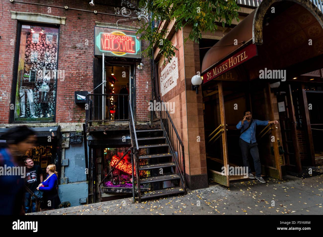 new-york-ny-6-nov-2015-trash-and-vaudevi
