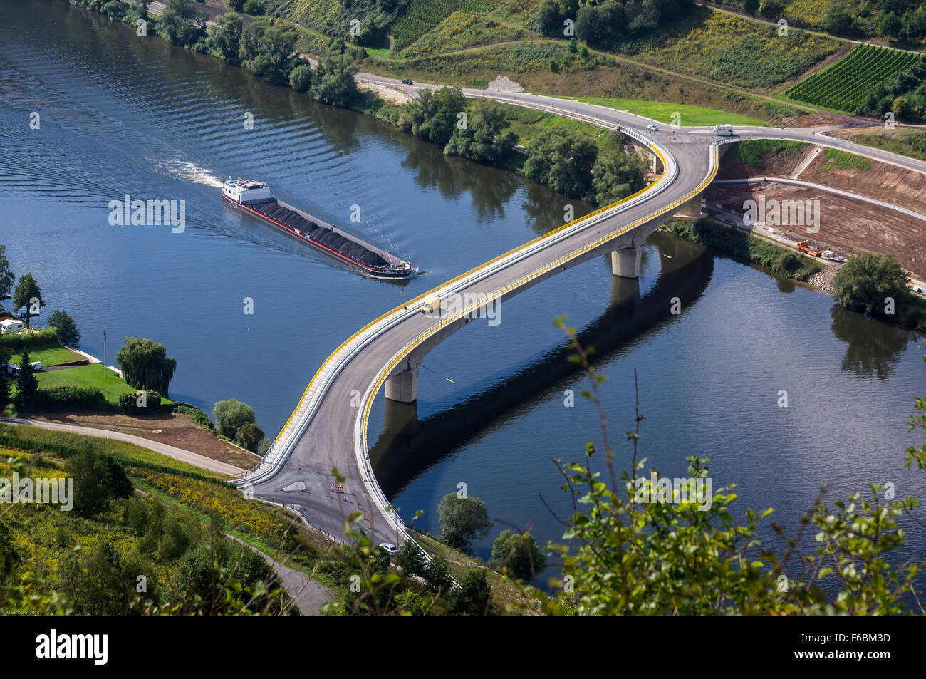 new-b53-road-bridge-on-the-mosel-river-a