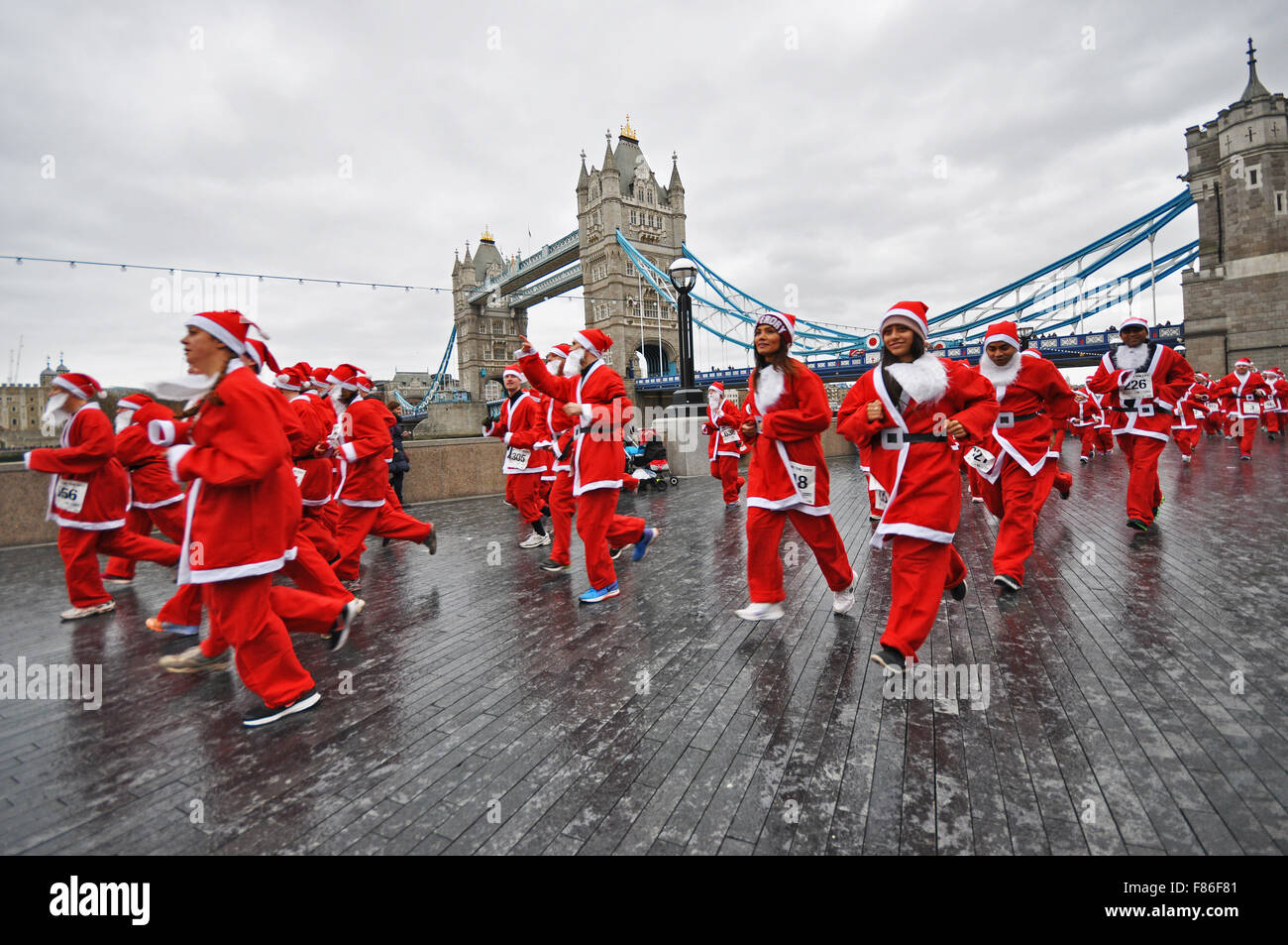 santa-in-the-city-is-one-of-londons-newest-santa-runs-with-its-start-F86F81.jpg