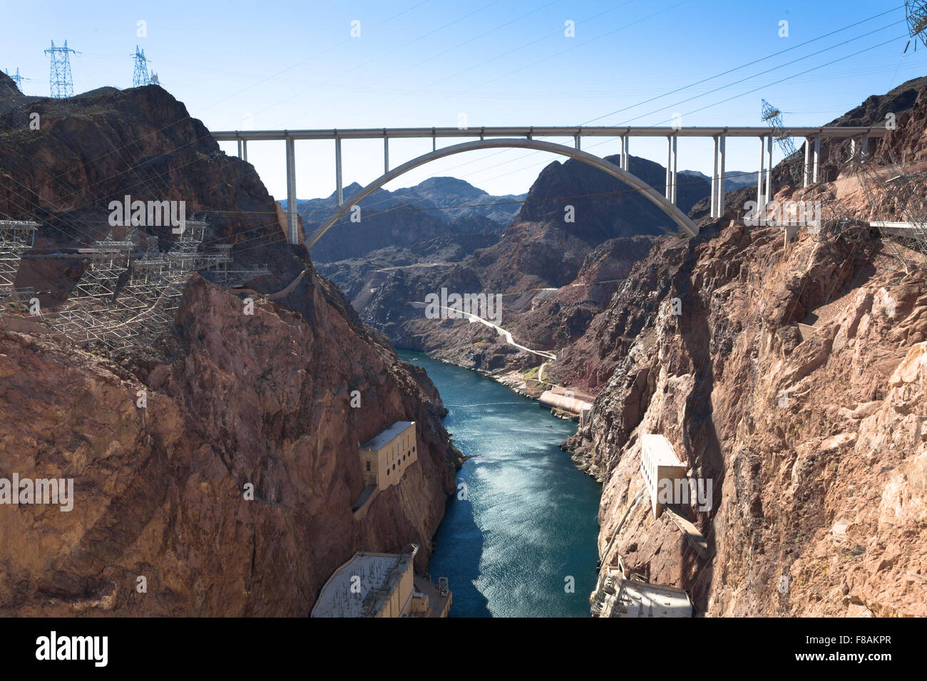 hoover dam a monument of americas ingenuity The hoover dam: a monument of ingenuity (american history american destinations) by gabriel, luke s and a great selection of similar used, new and collectible books available now at.