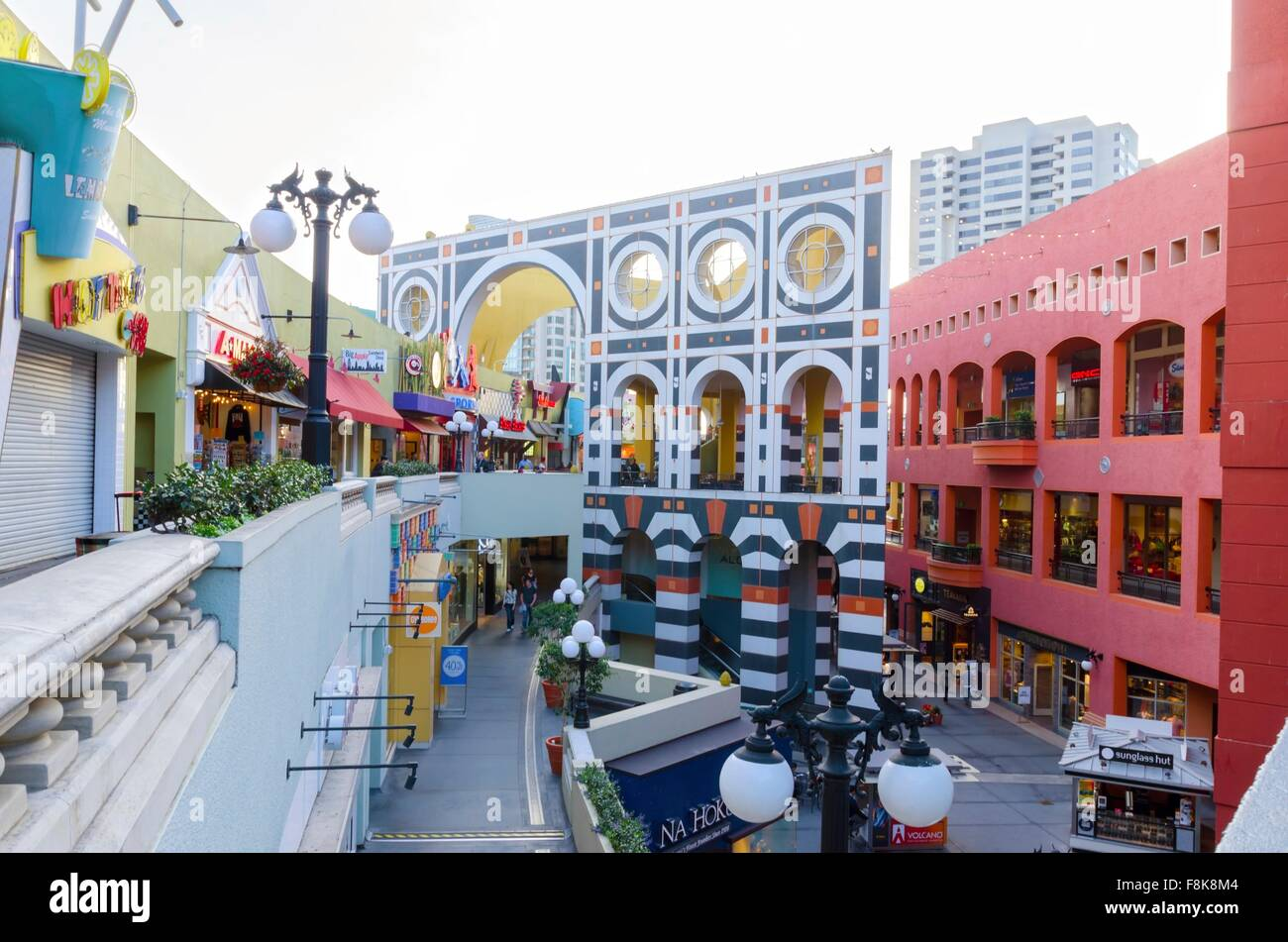 Westfield Horton Plaza is located in San Diego, California and offers stores - Scroll down for Westfield Horton Plaza shopping information: store list 4/4(4).