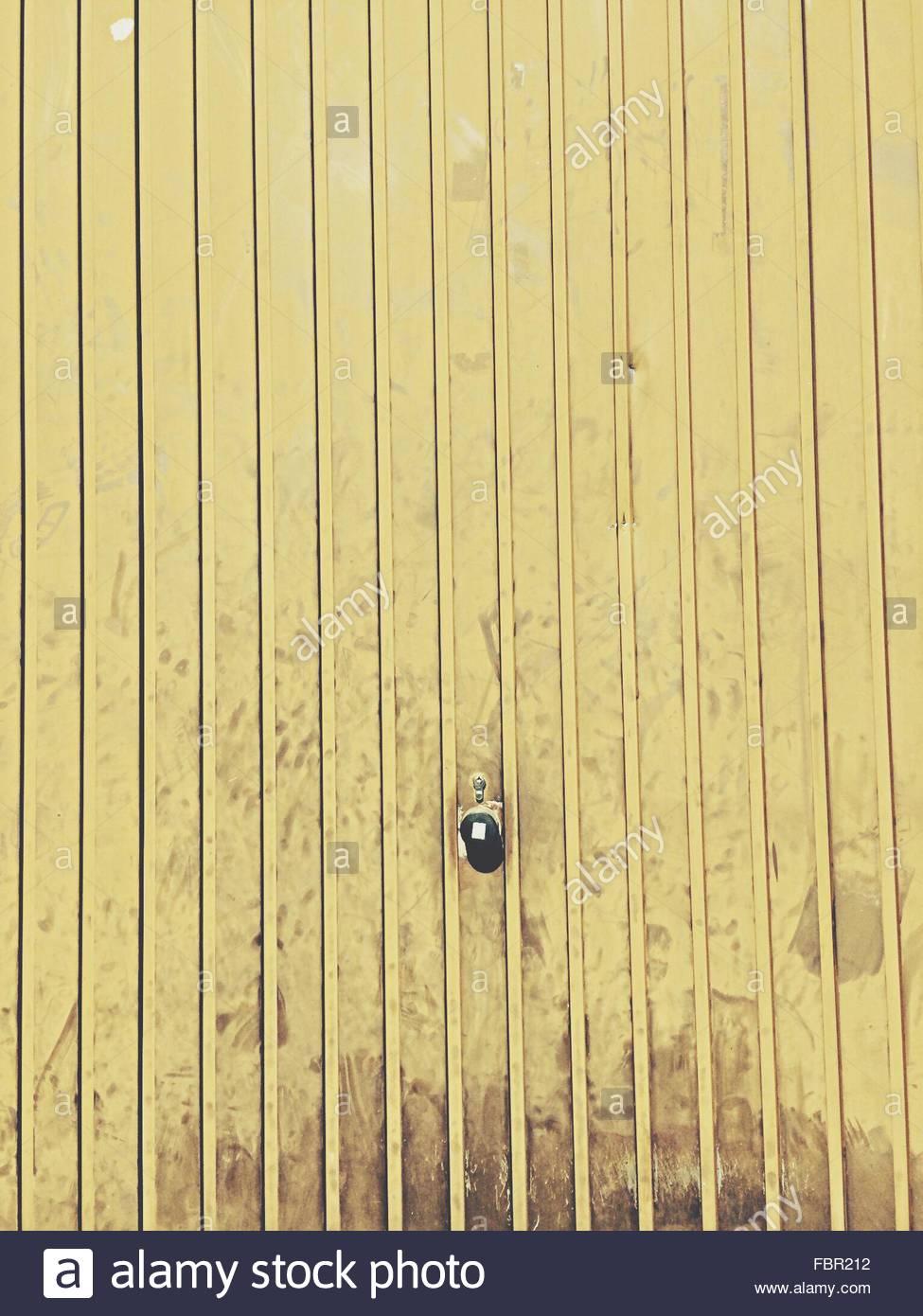 Detail Shot Of Yellow Wall Stock Foto