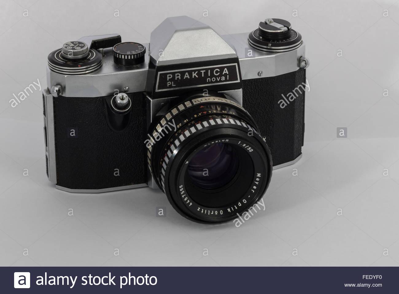 a-praktica-nova-1-a-35mm-slr-film-camera