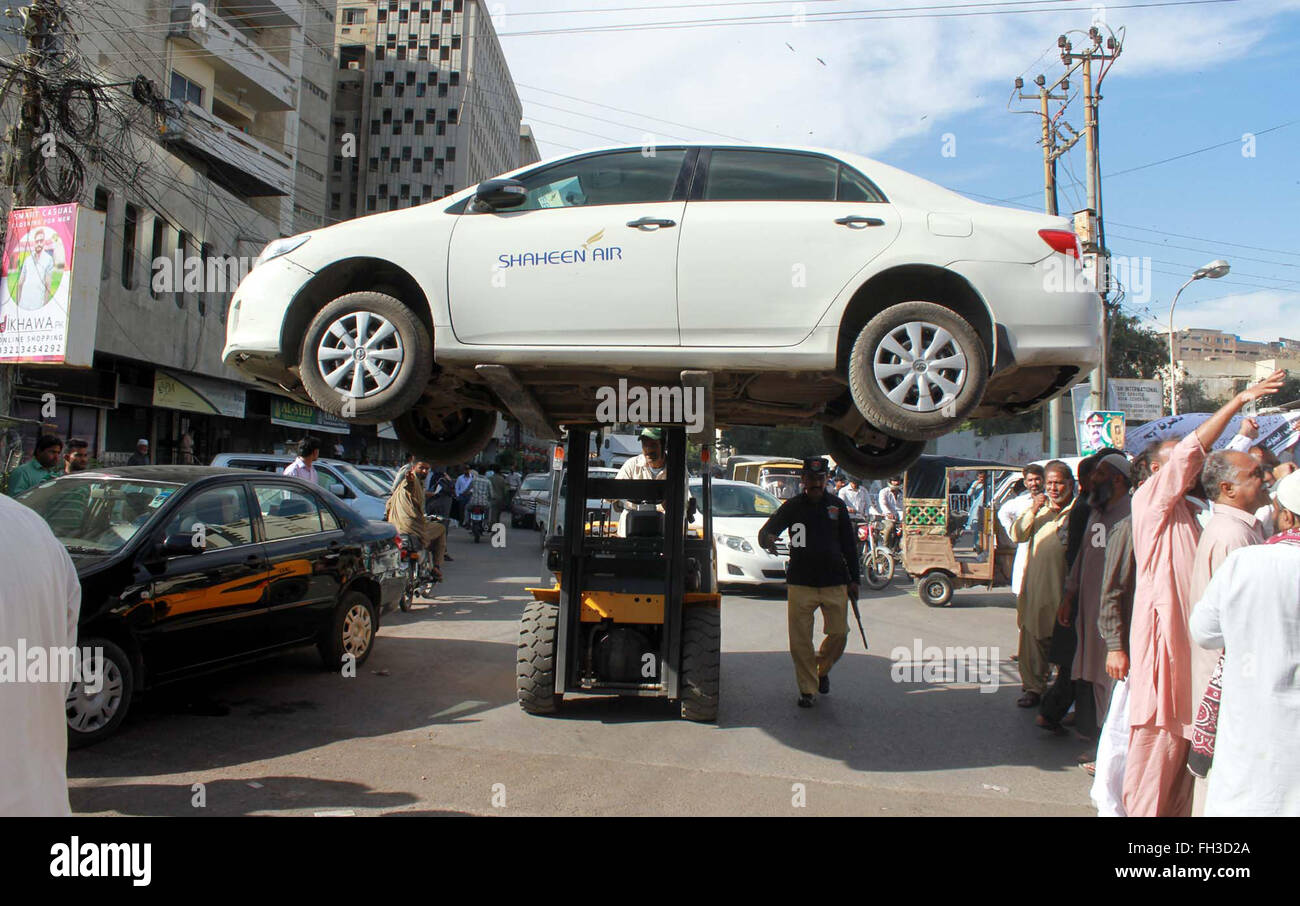 Car lifters in karachi 10