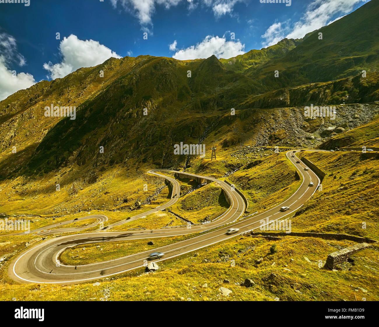 transfagarasan-mountain-road-in-romania-