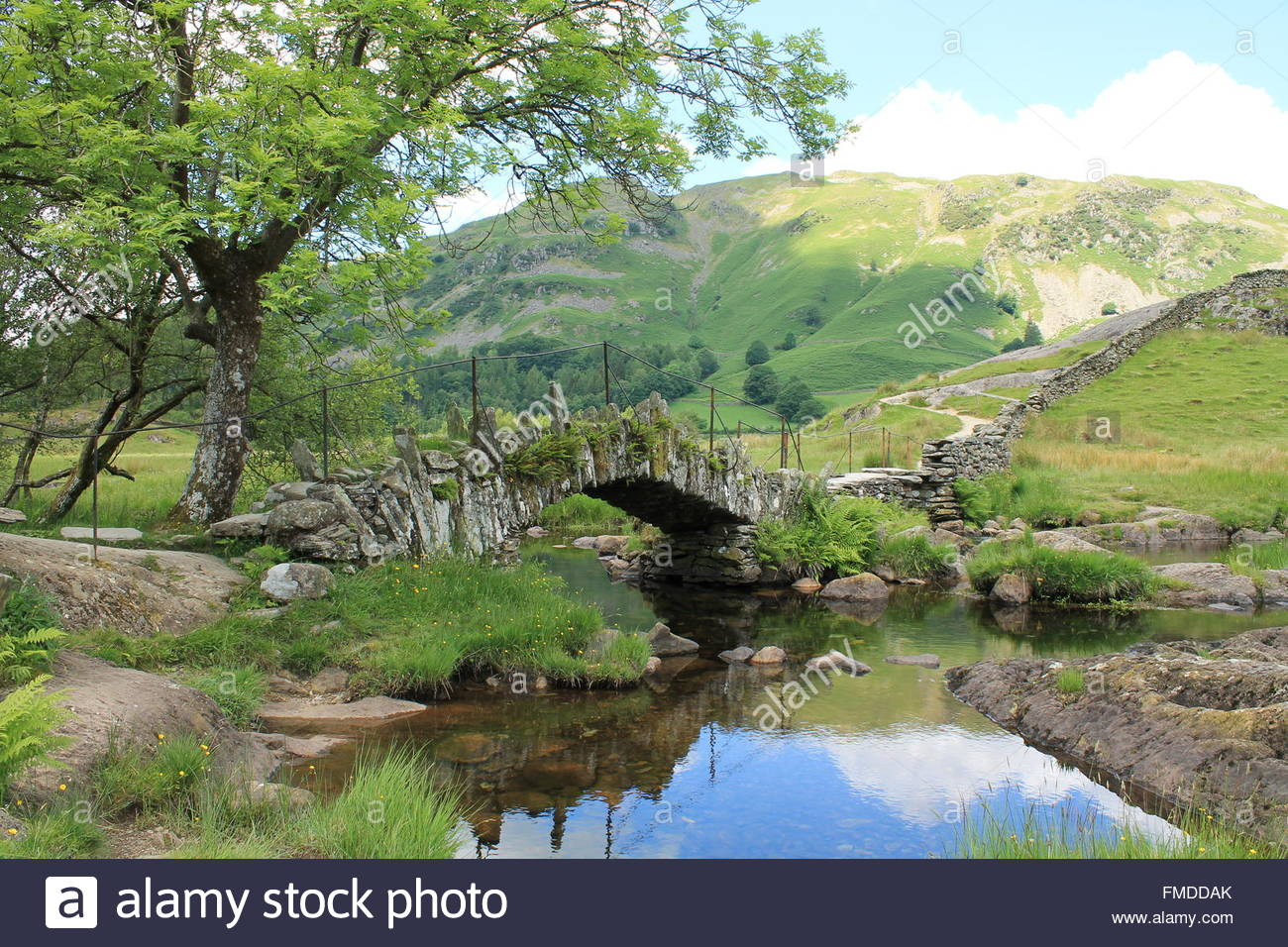 slaters-bridge-little-langdale-valley-in