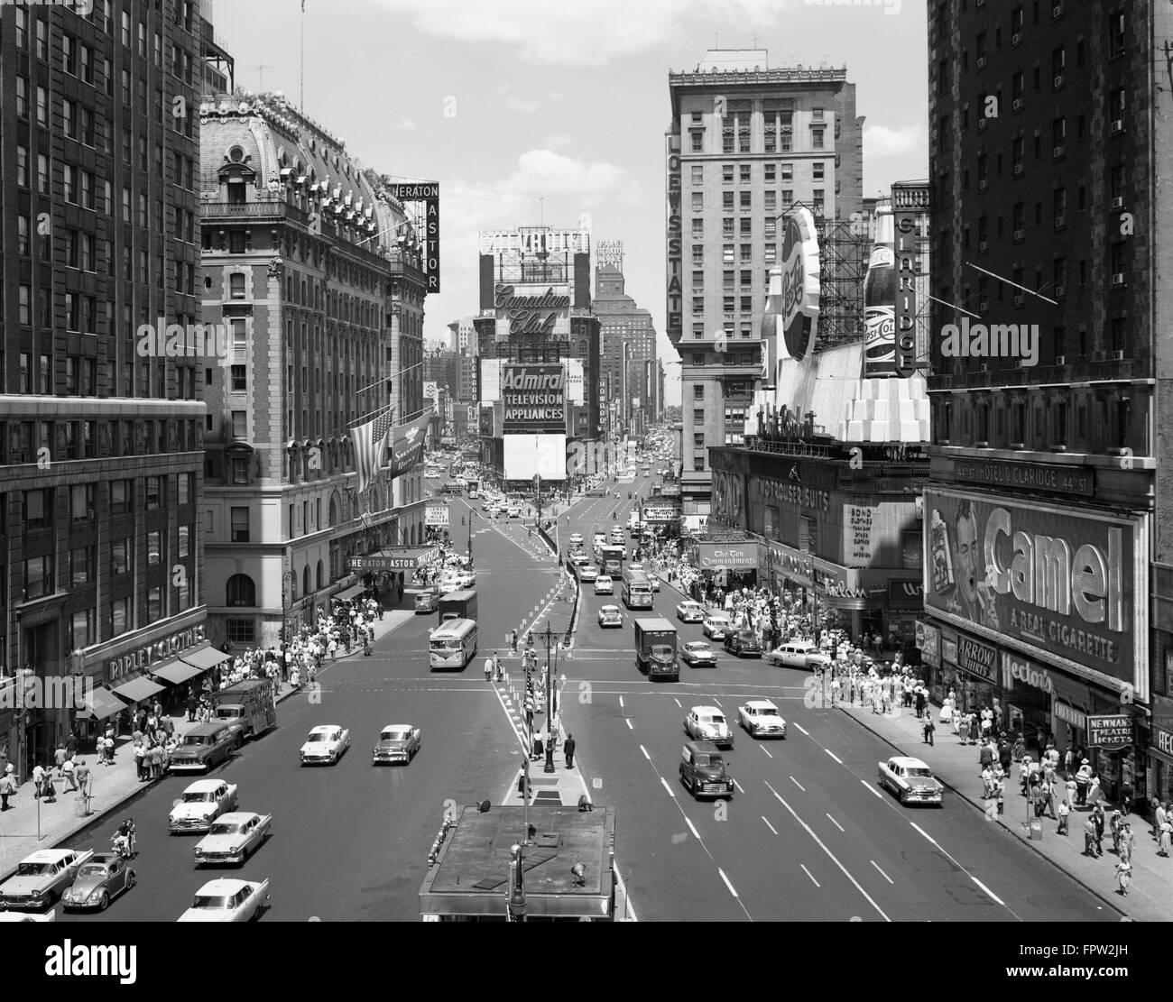 1950s LOOKING NORTH AT TIMES SQUARE FROM THE TIMES