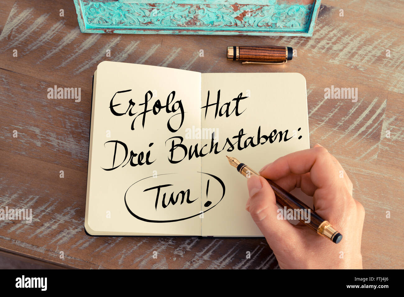 handwritten text in german erfolg hat drei buchstaben. Black Bedroom Furniture Sets. Home Design Ideas