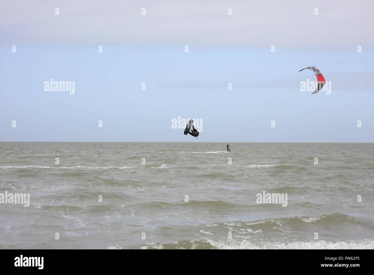 kite-surfers-at-brouwersdam-4323-ellemee