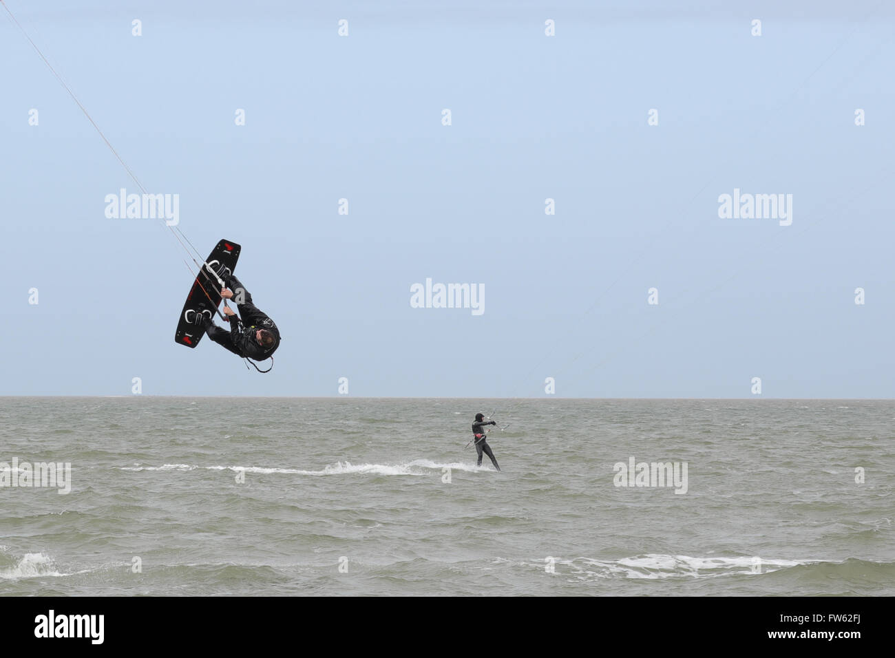 kite-surfers-at-brouwersdam-4323-ellemee
