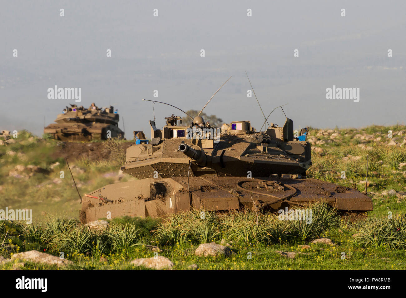 http://c7.alamy.com/comp/FW8RMB/merkava-iv-main-battle-tank-with-trophy-defense-system-in-the-golan-FW8RMB.jpg
