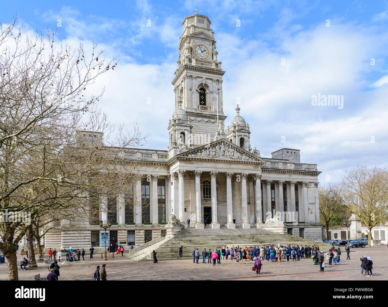 portsmouth-guildhall-guildhall-square-po
