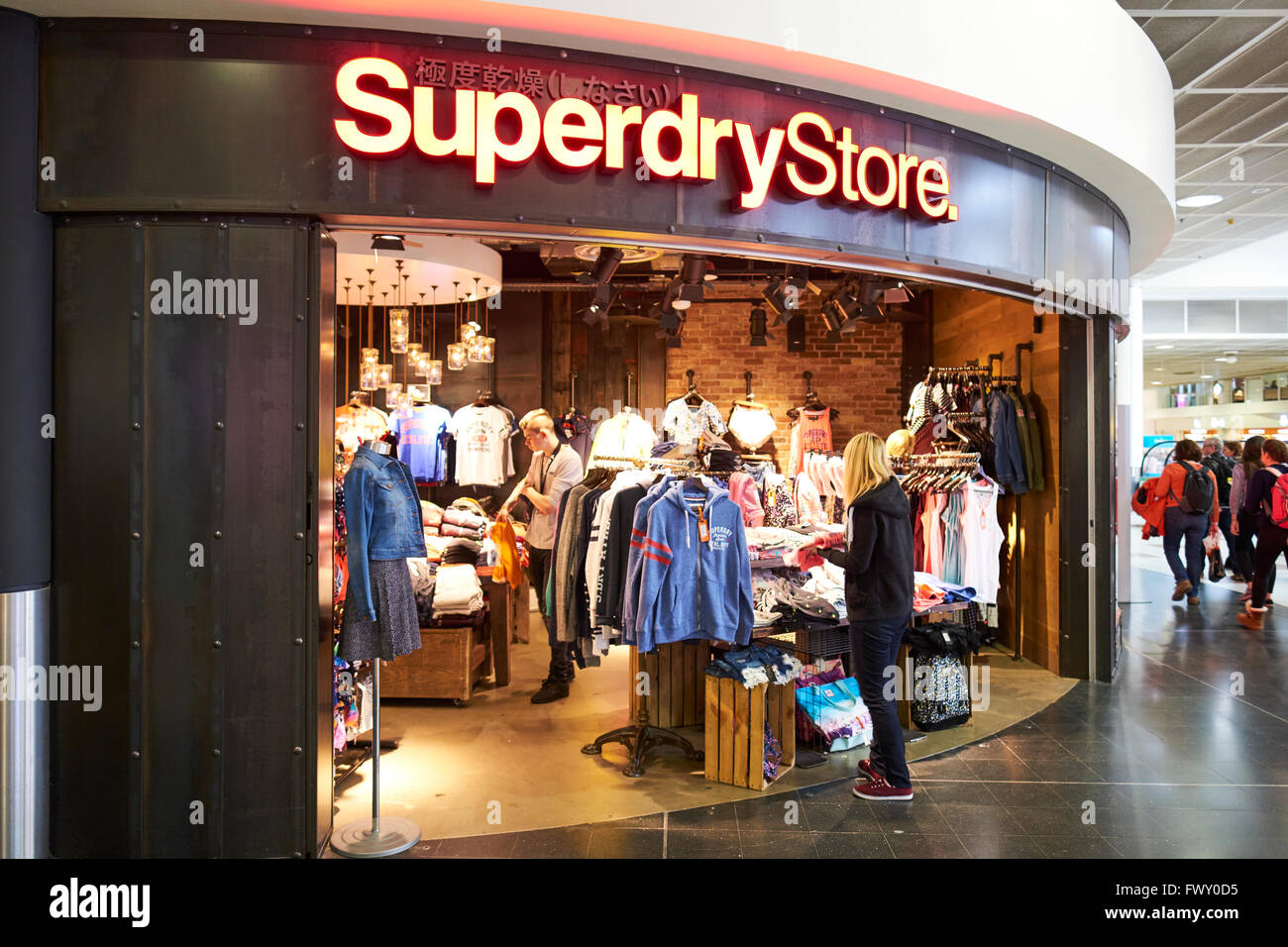 Super 10 clothing store
