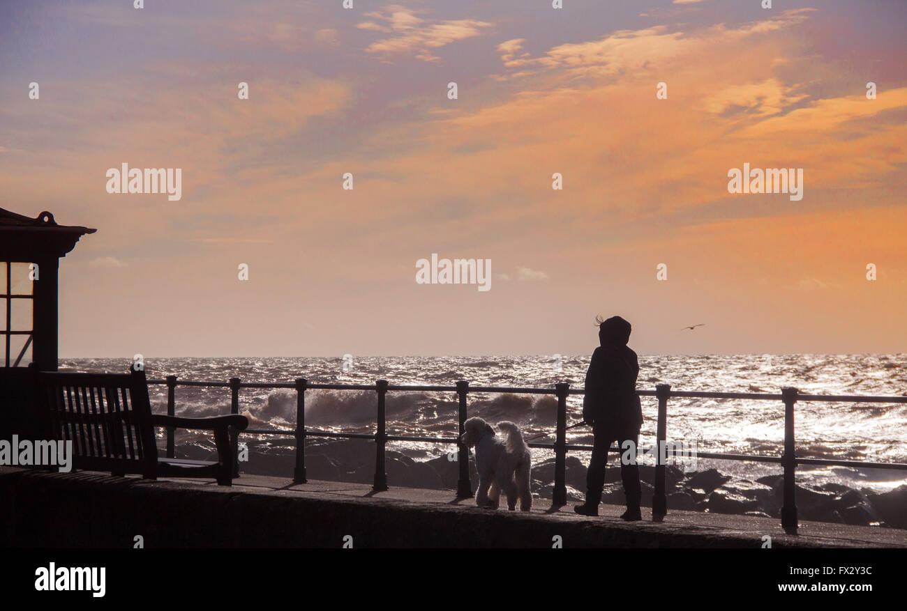 sidmouth-devon-10th-apr-2016-uk-weather-
